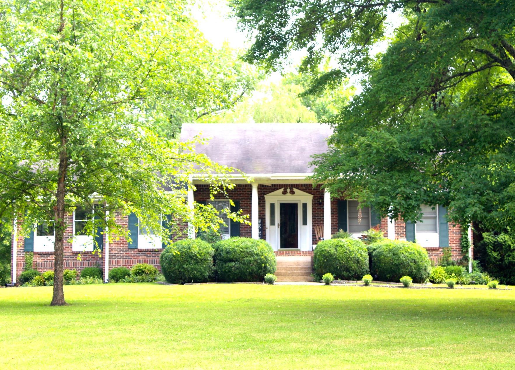 1338 Grays Bend Rd Centerville, TN 37033