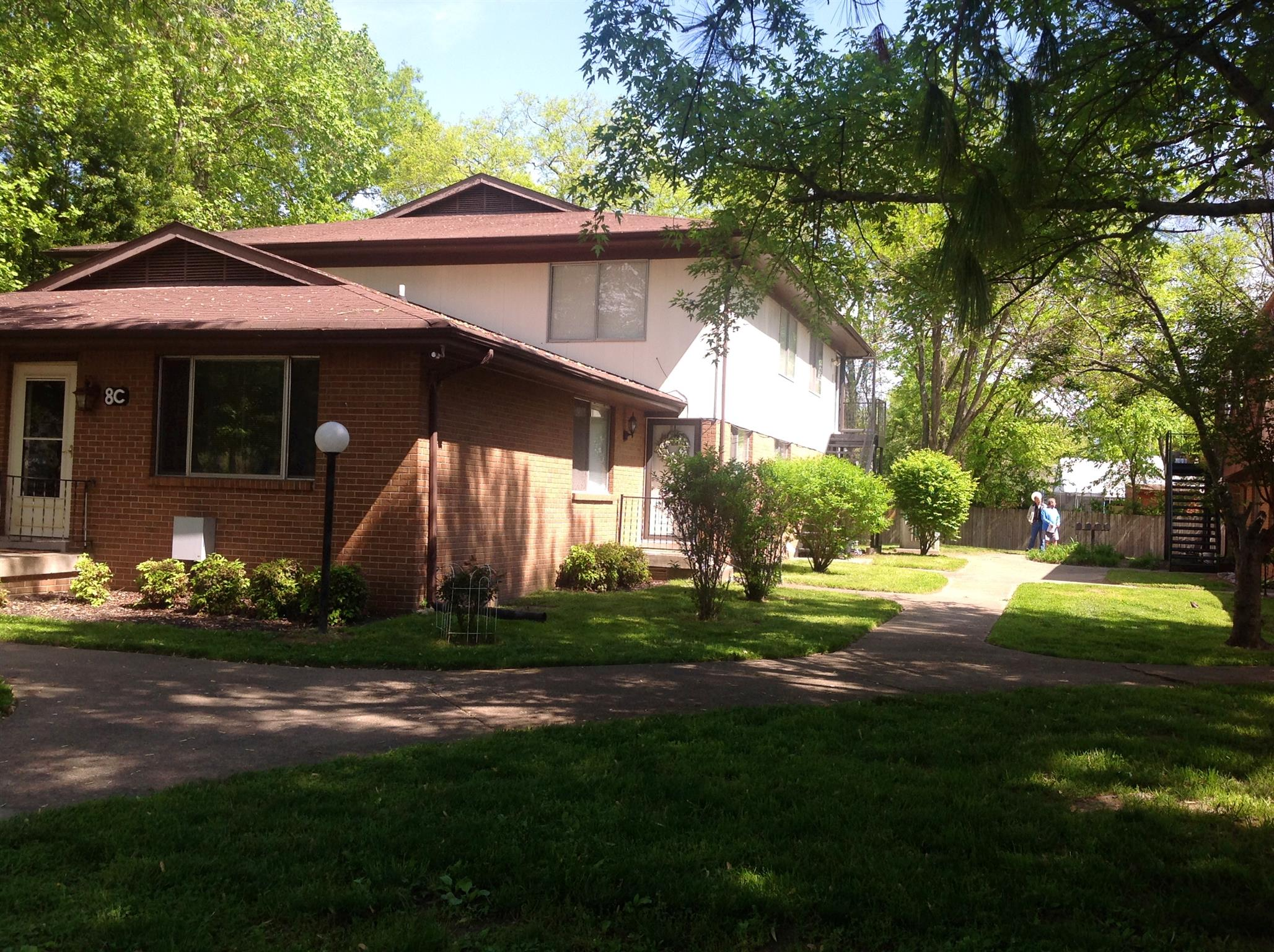250 Donna Dr Apt 8D, Hendersonville in Sumner County County, TN 37075 Home for Sale