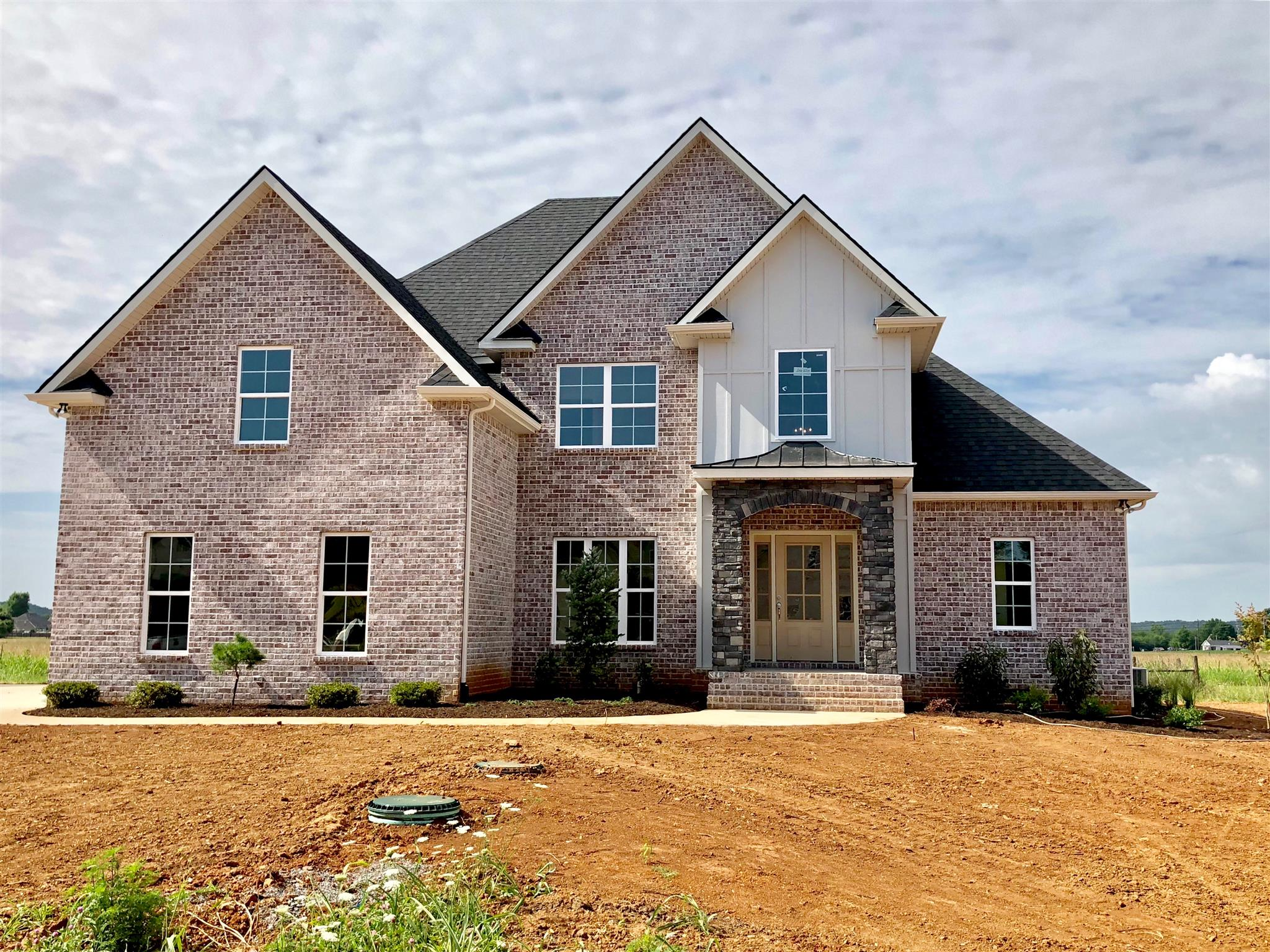 423 Old Orchard Dr Lascassas, TN 37085