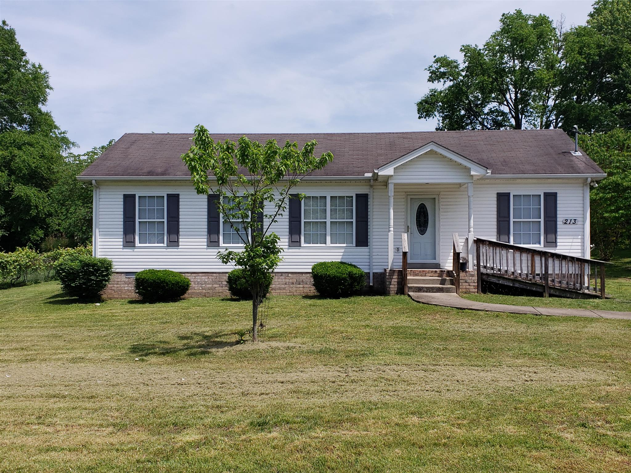 213 Bate Ave, Gallatin in Sumner County County, TN 37066 Home for Sale