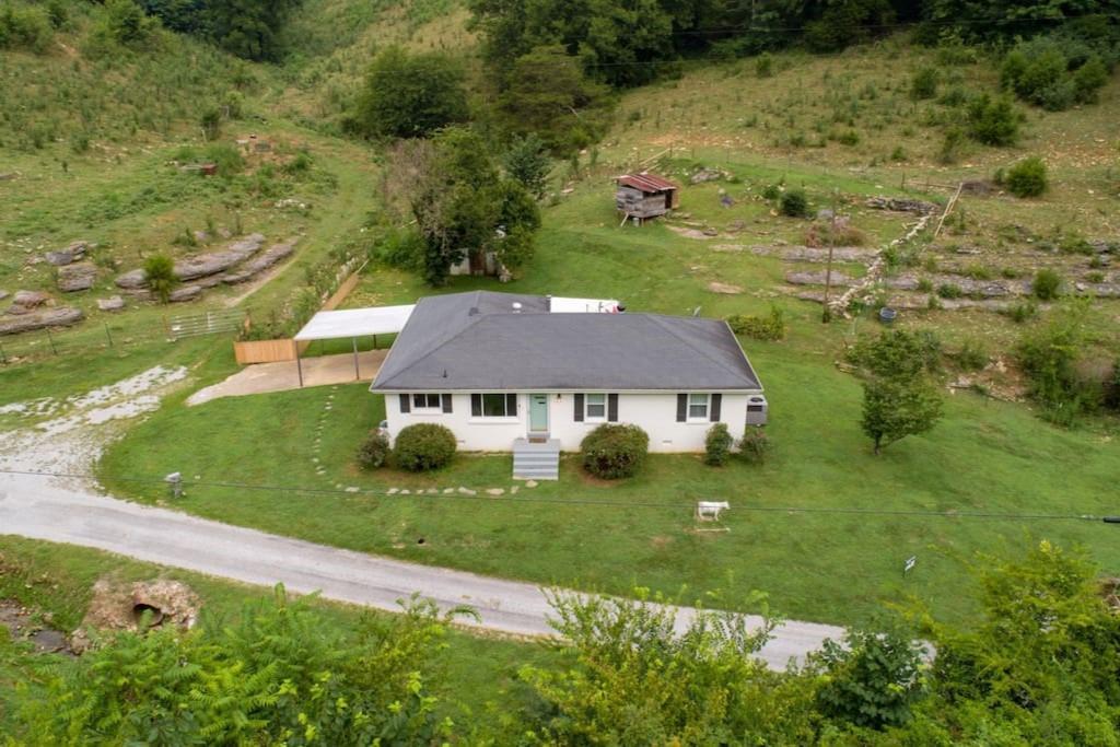 114 Nabors Hollow Ln Hickman, TN 38567