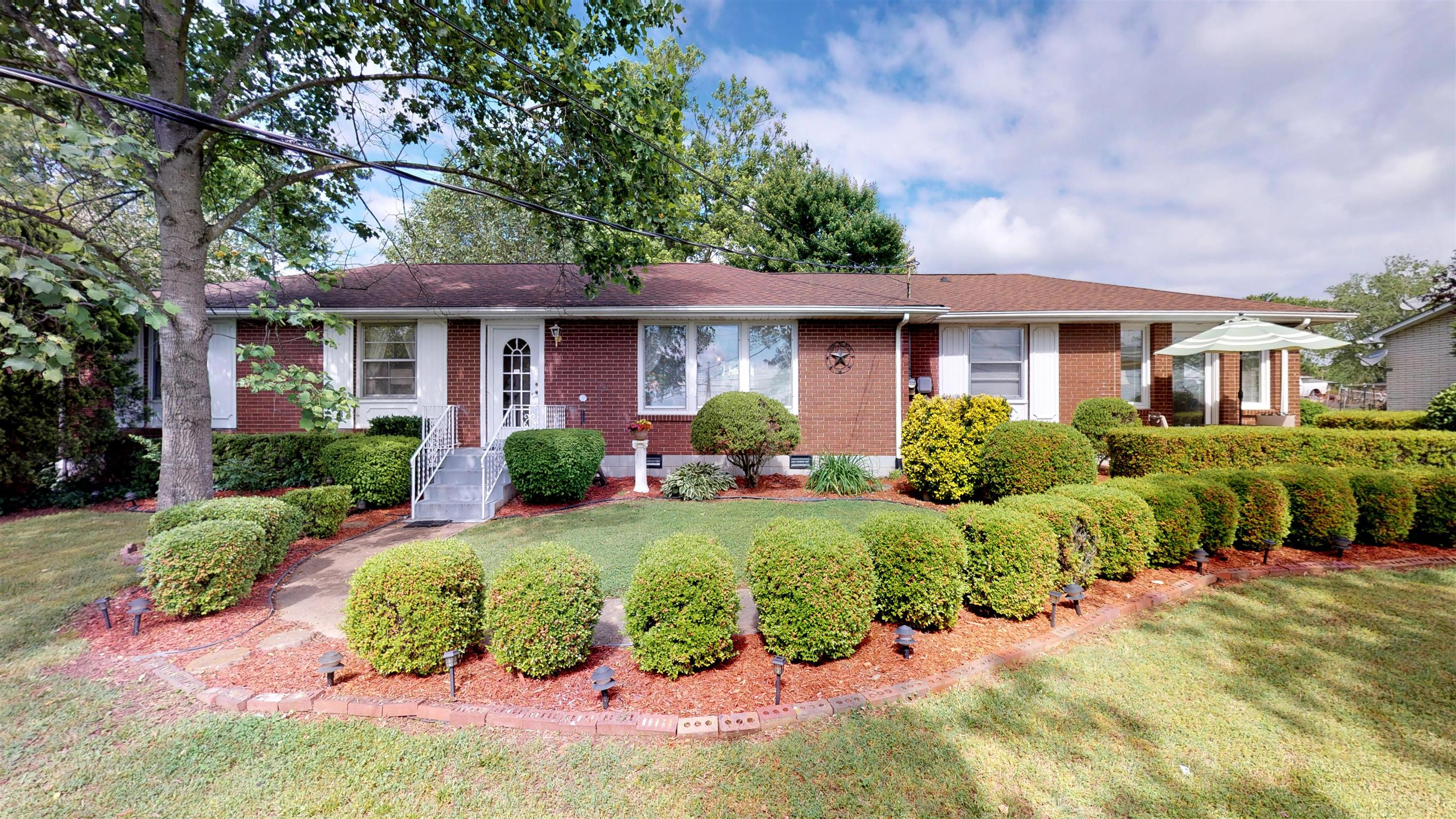 370 Sanders Ferry Rd, Hendersonville in Sumner County County, TN 37075 Home for Sale