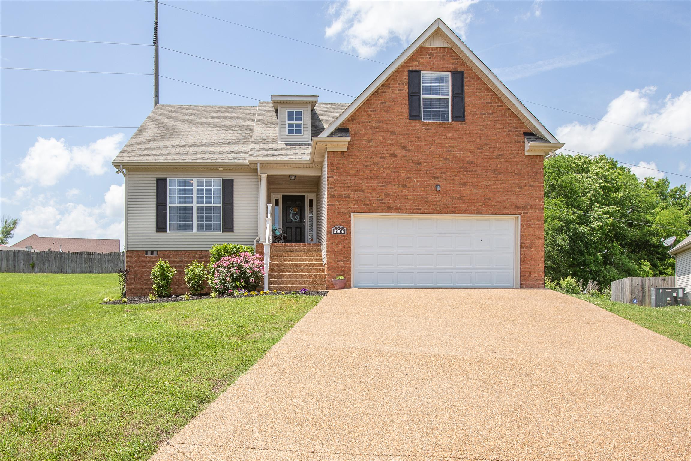 3966 Kristen St, Spring Hill, Tennessee