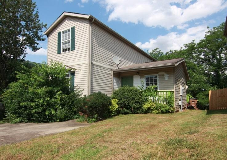 One of Nashville-Antioch 3 Bedroom Homes for Sale at 213 Brittany Park Cir