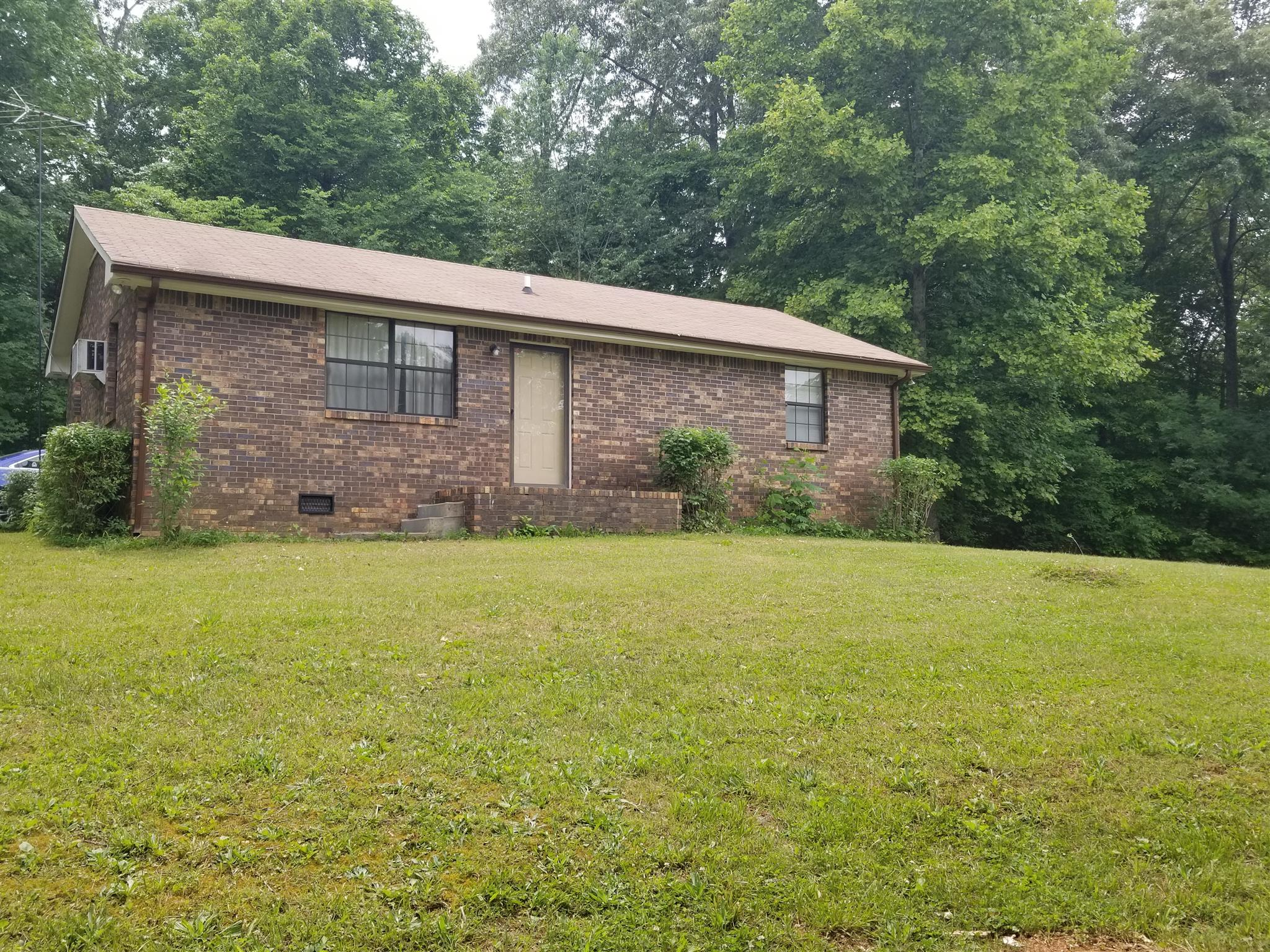 1781 Buck Hollow Rd Chapmansboro, TN 37035
