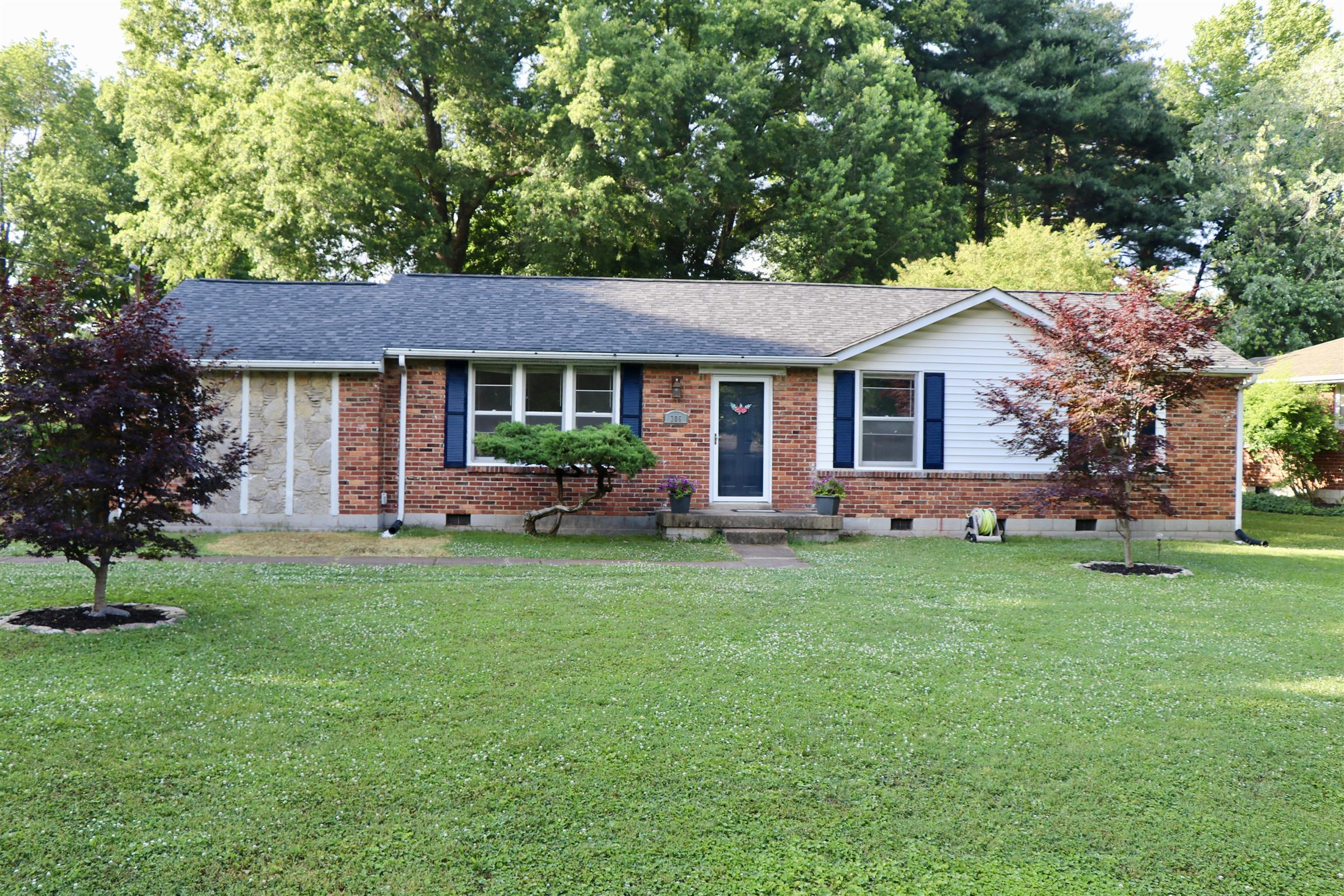306 Edgeview Dr, Crieve Hill, Tennessee 3 Bedroom as one of Homes & Land Real Estate