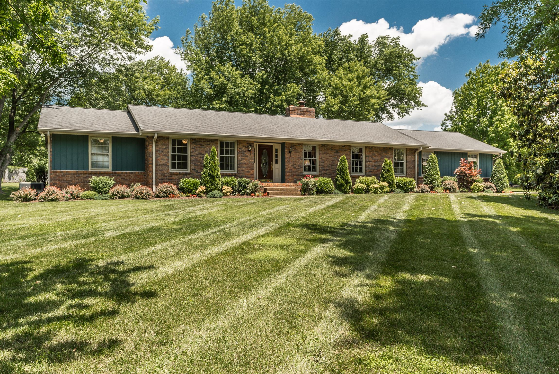 214 Spring Valley Rd, Hendersonville, Tennessee