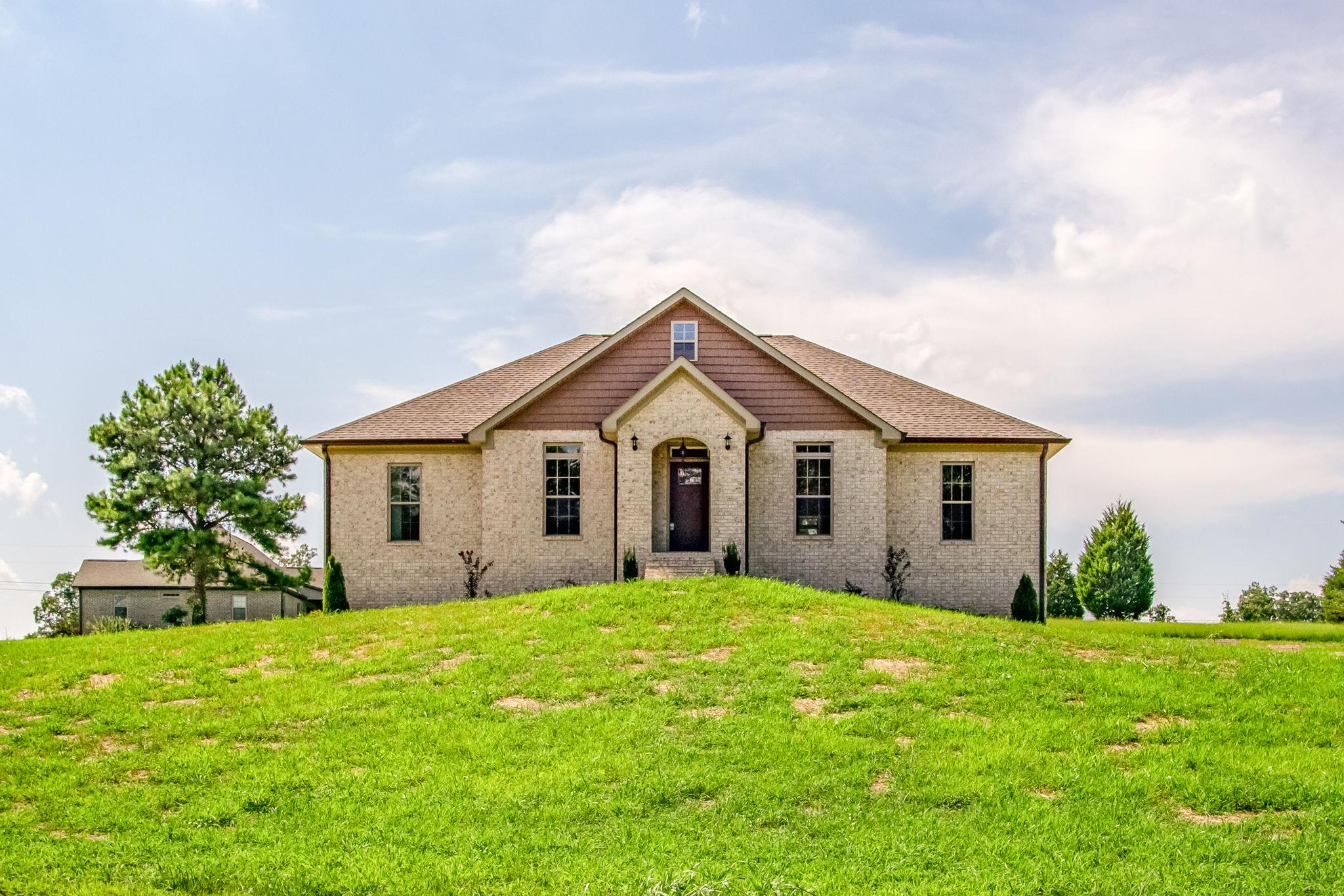 396 Double Eagle Dr Summertown, TN 38483