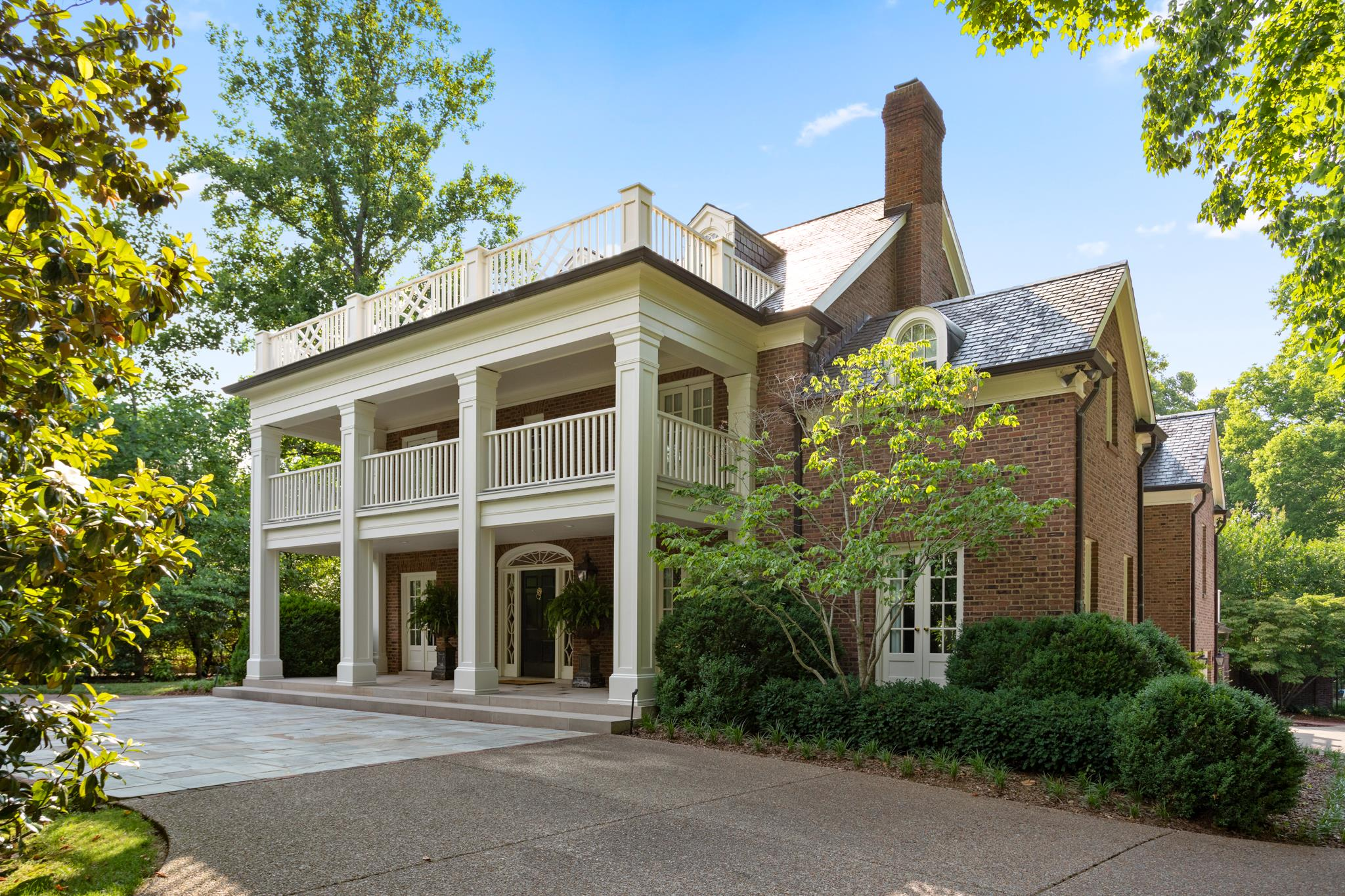 1109 Belle Meade Blvd, one of homes for sale in Belle Meade