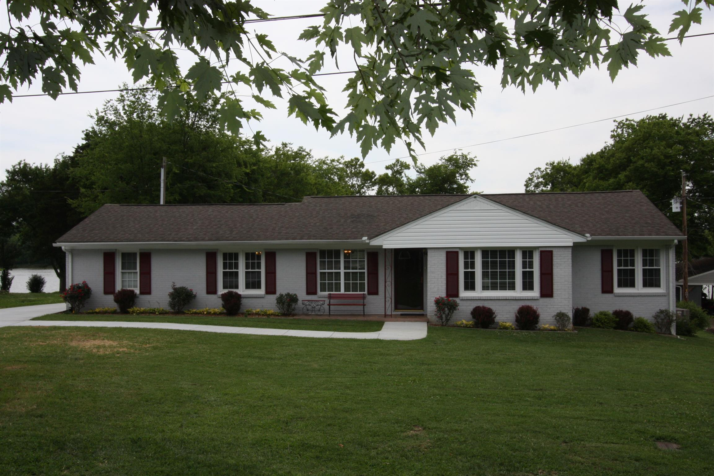 1068 Lock 4 Rd, Gallatin in Sumner County County, TN 37066 Home for Sale