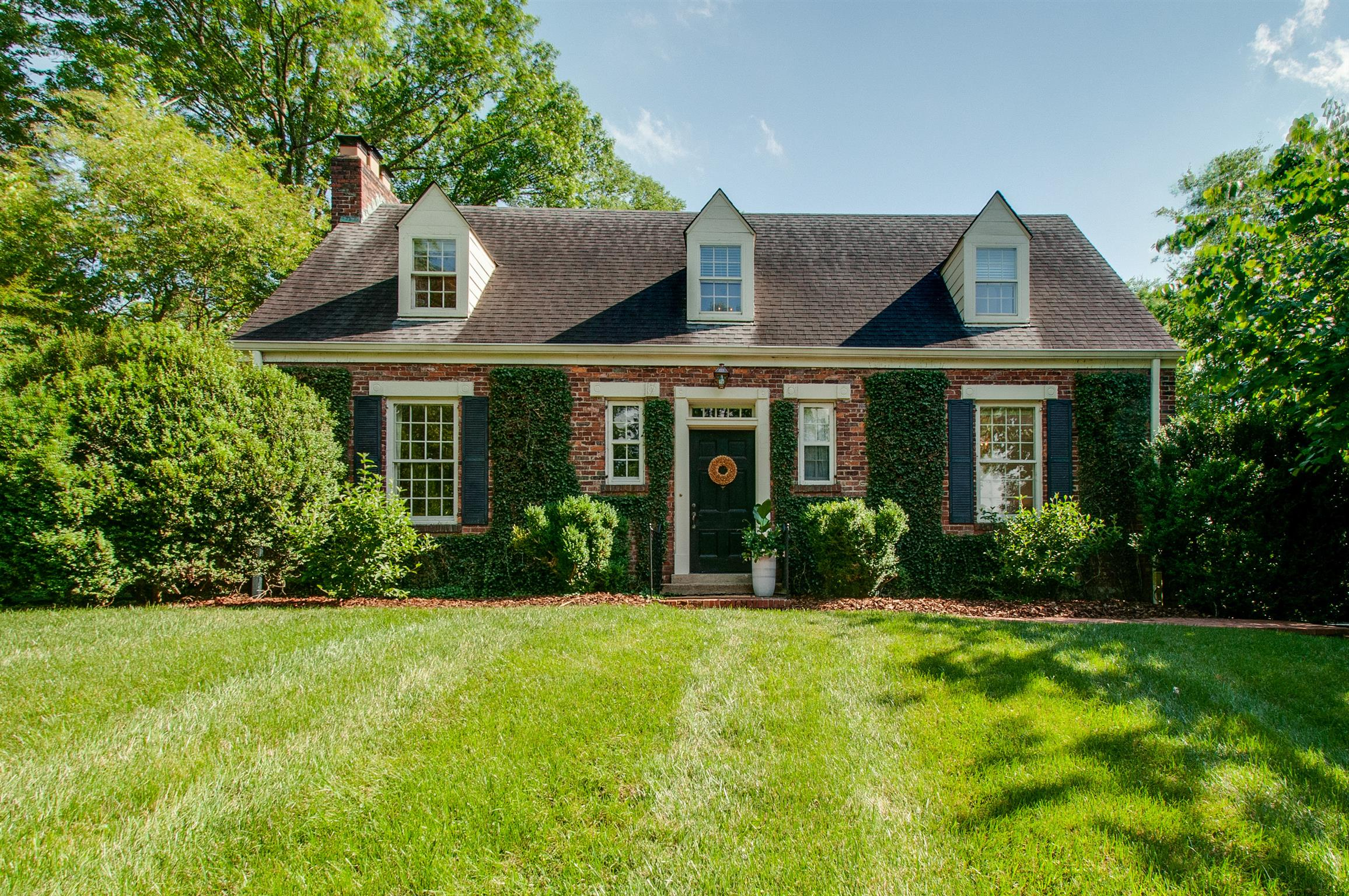 5 Carriage Hill, one of homes for sale in Belle Meade