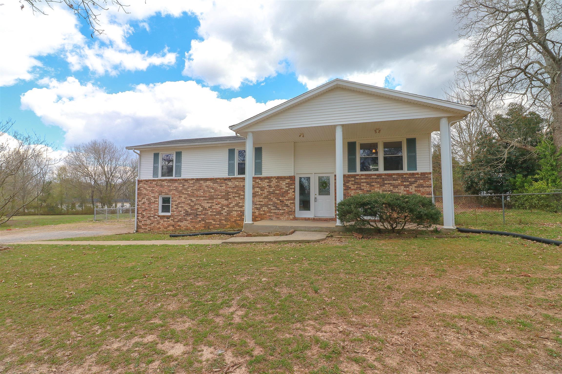 231 Joy Ave Rockvale, TN 37153