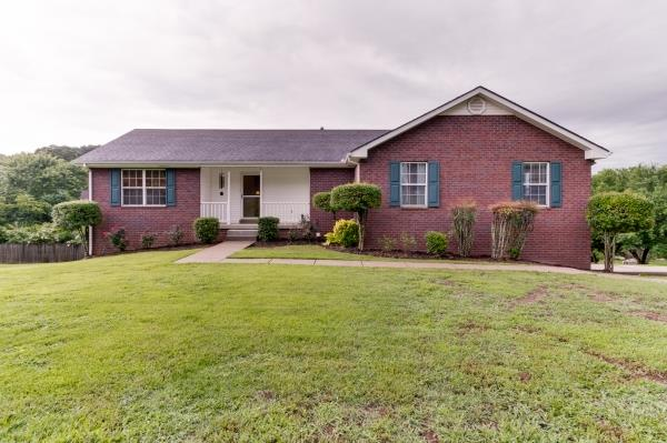211 Northview Ct, Hendersonville in Sumner County County, TN 37075 Home for Sale
