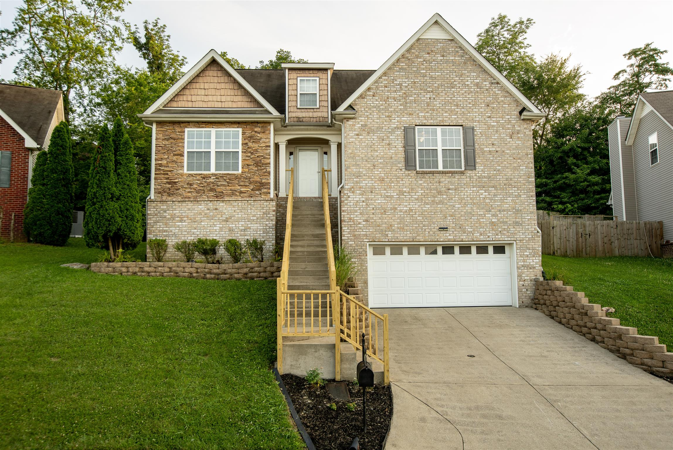 2605 Mountain Dale Ct, Nashville-Antioch in Davidson County County, TN 37013 Home for Sale