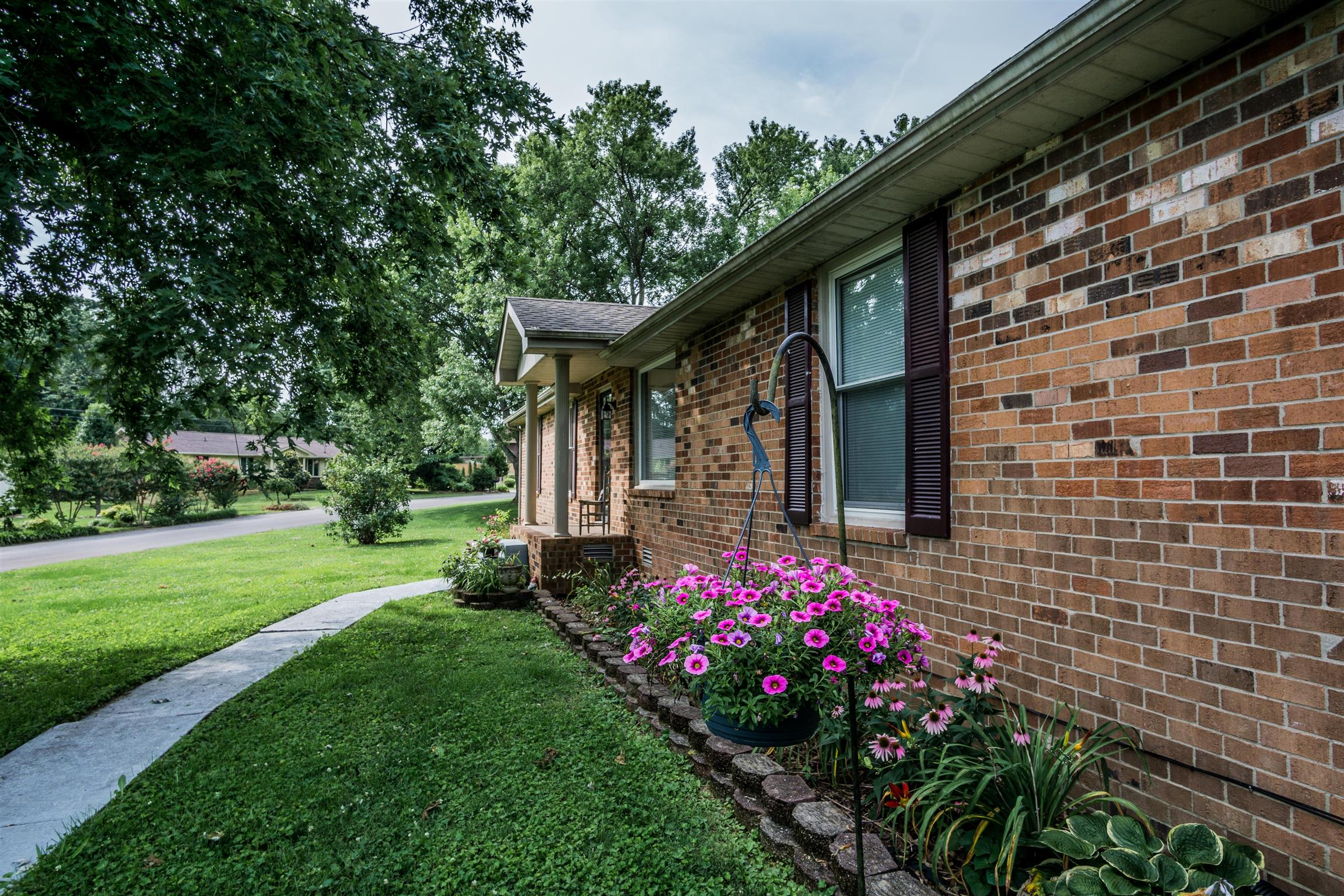 105 Cornelia Dr, Hendersonville in Sumner County County, TN 37075 Home for Sale