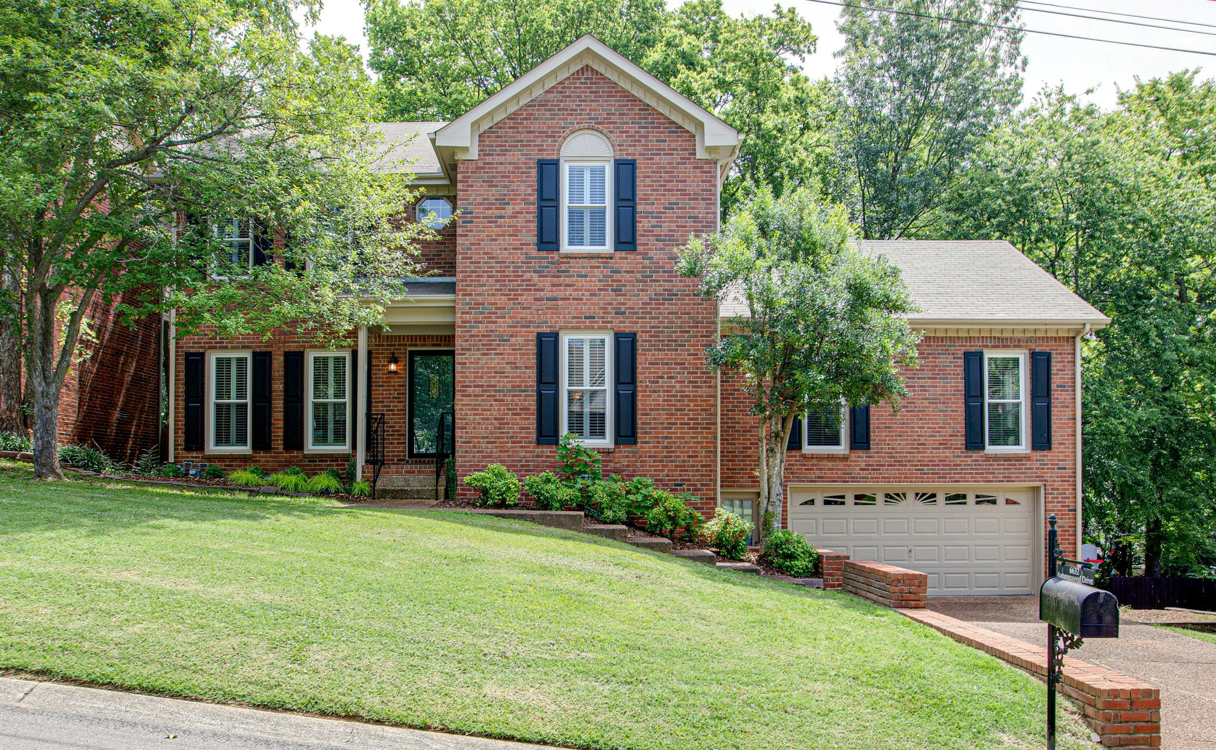 6632 Autumnwood Dr, Bellevue in Davidson County County, TN 37221 Home for Sale