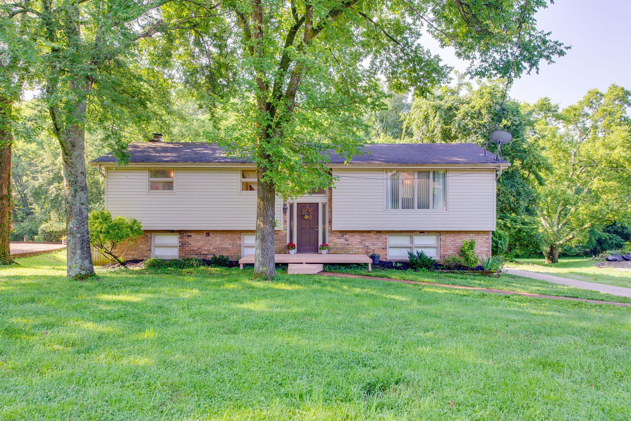 102 Airfloat Dr, Hendersonville in Sumner County County, TN 37075 Home for Sale