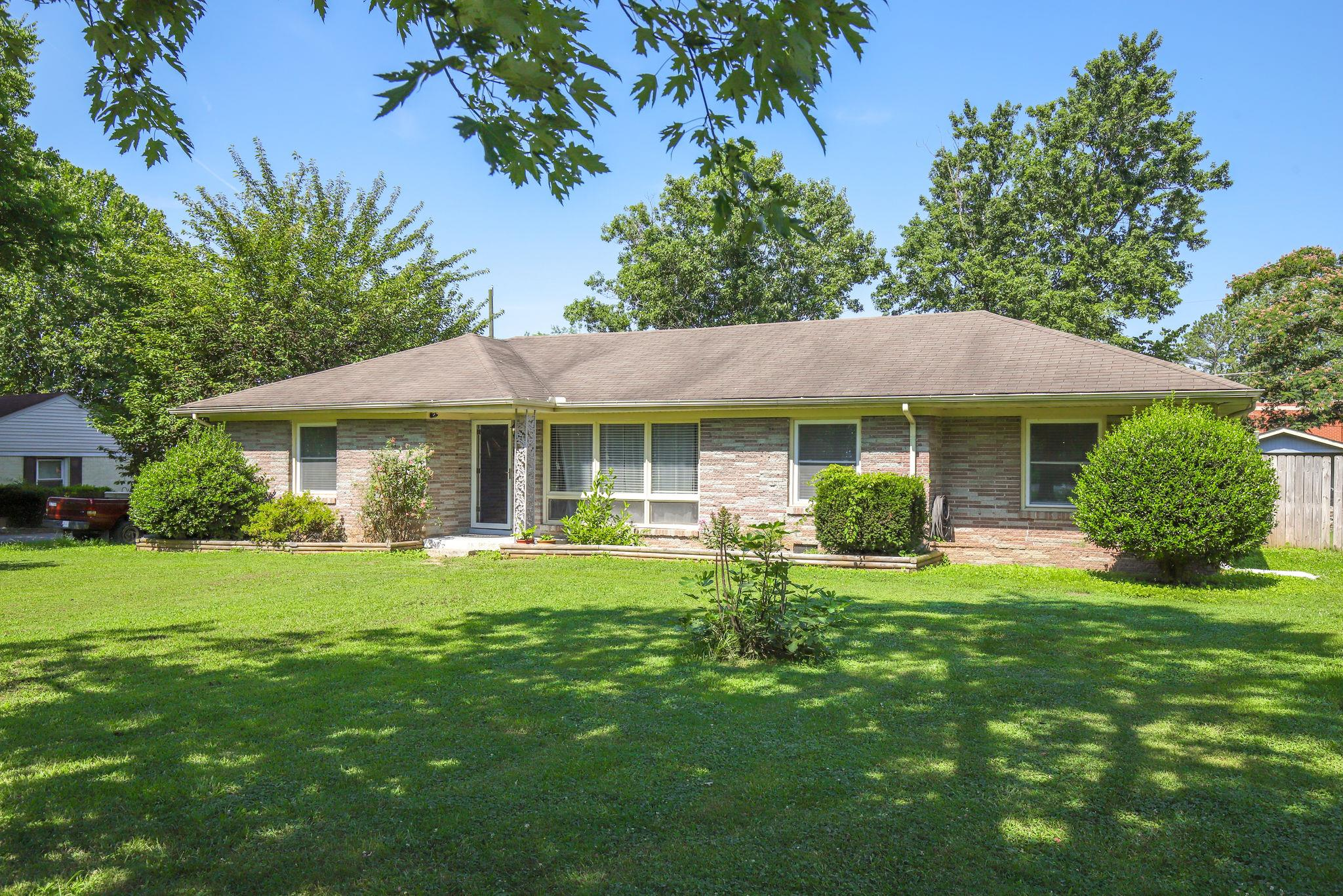 418 Richland Cir 37066 - One of Gallatin Homes for Sale