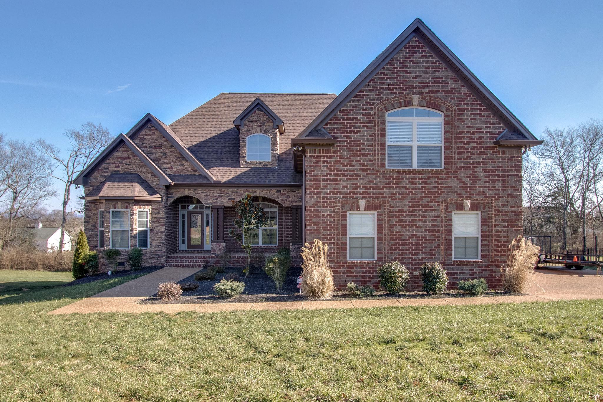 One of Gallatin 4 Bedroom Homes for Sale at 312 Ironwood Cir