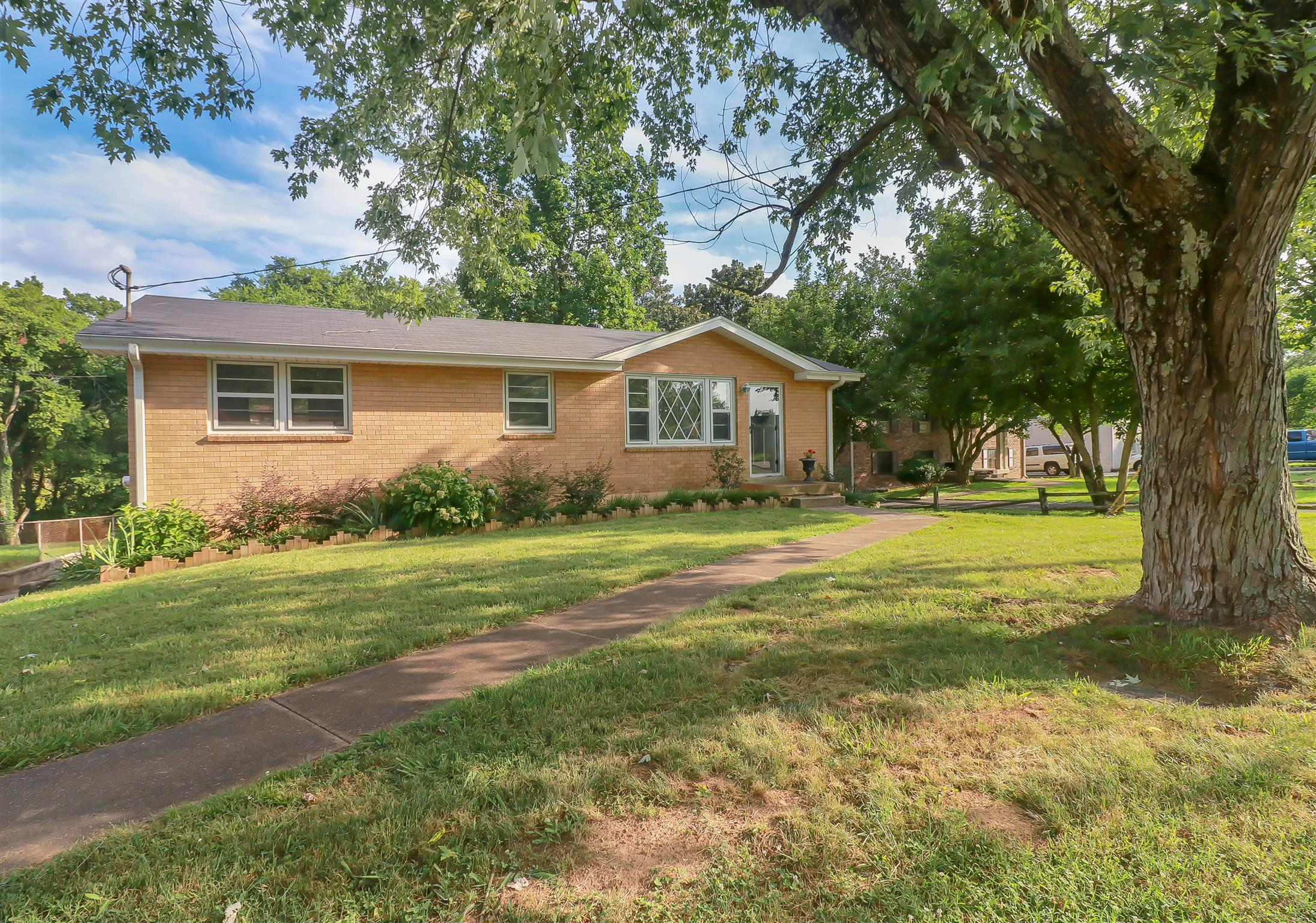 753 Reeves Rd, Nashville-Antioch in Davidson County County, TN 37013 Home for Sale