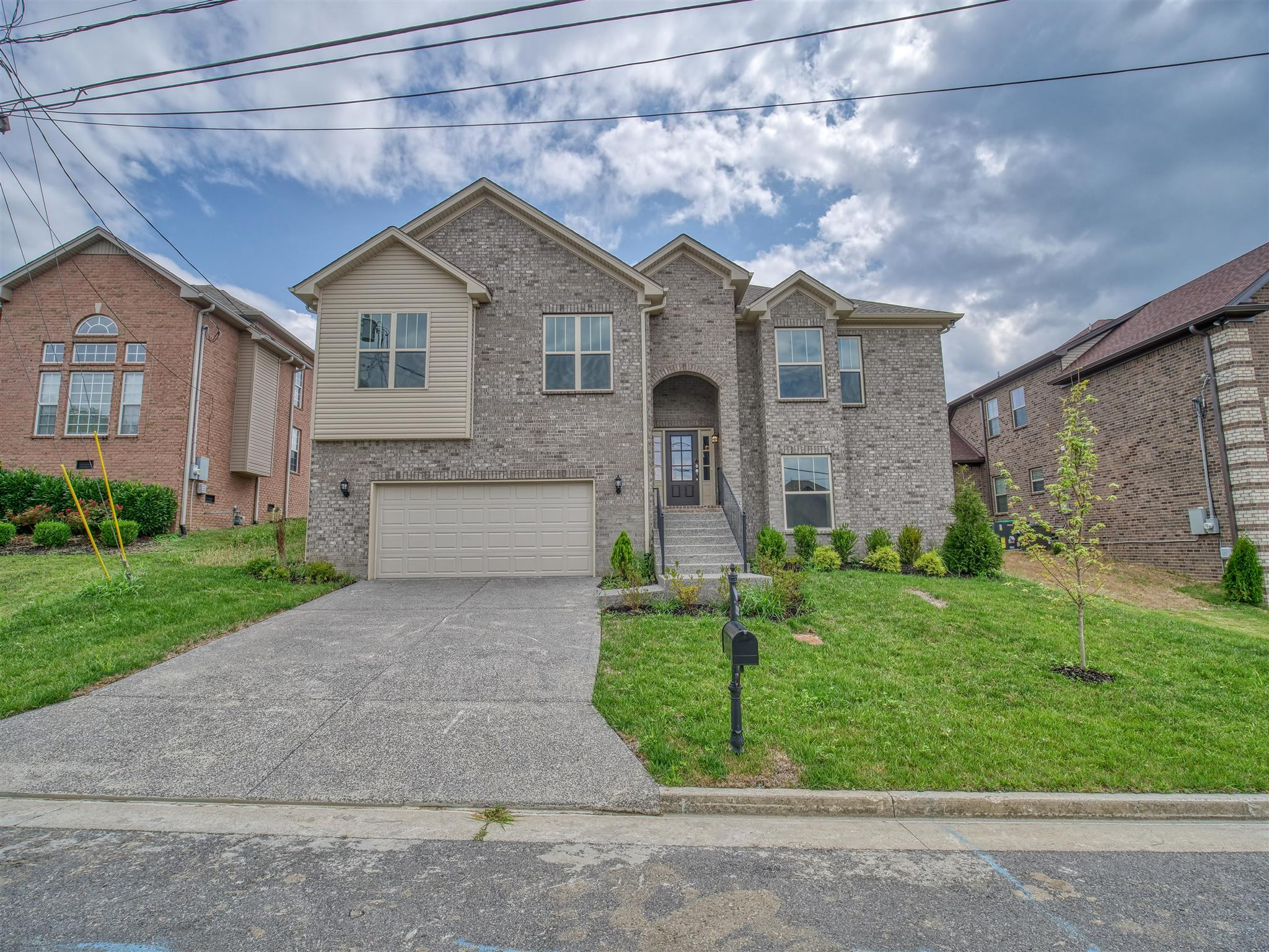 7212 Wild Apple Ct, one of homes for sale in Nashville-Antioch