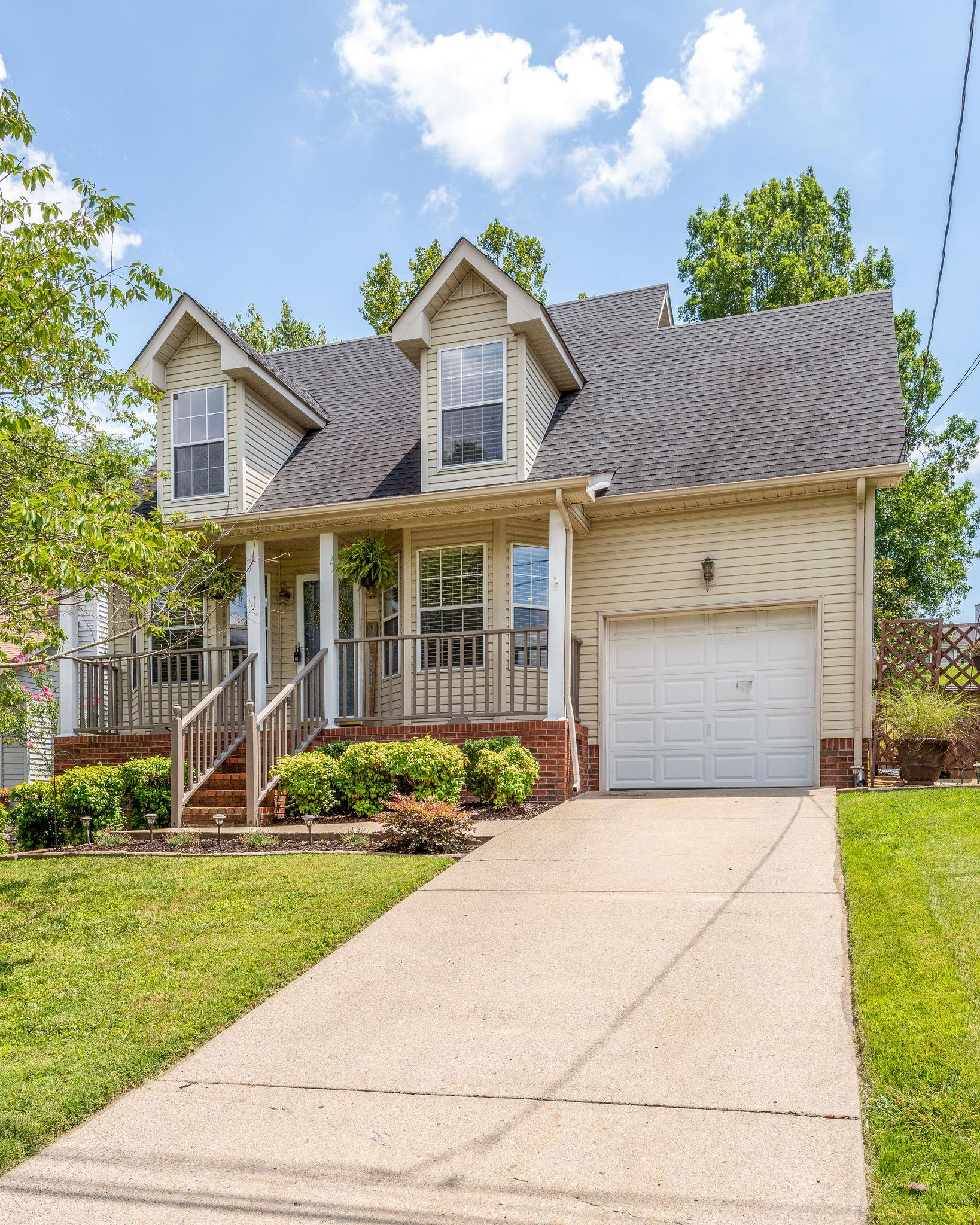 608 Maple Top Dr, Nashville-Antioch in Davidson County County, TN 37013 Home for Sale