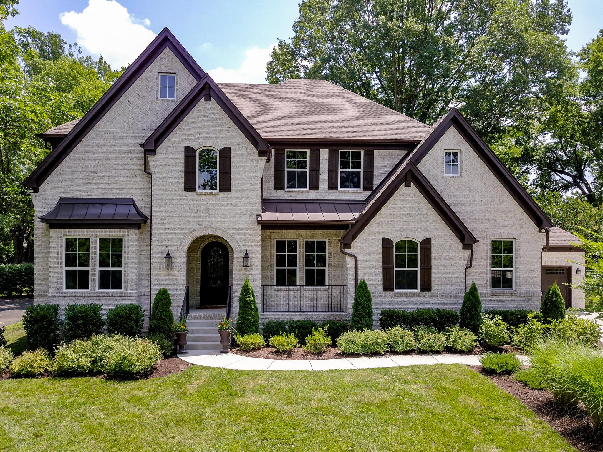 One of Nashville-Southeast 6 Bedroom Homes for Sale at 4028 Lealand Ln