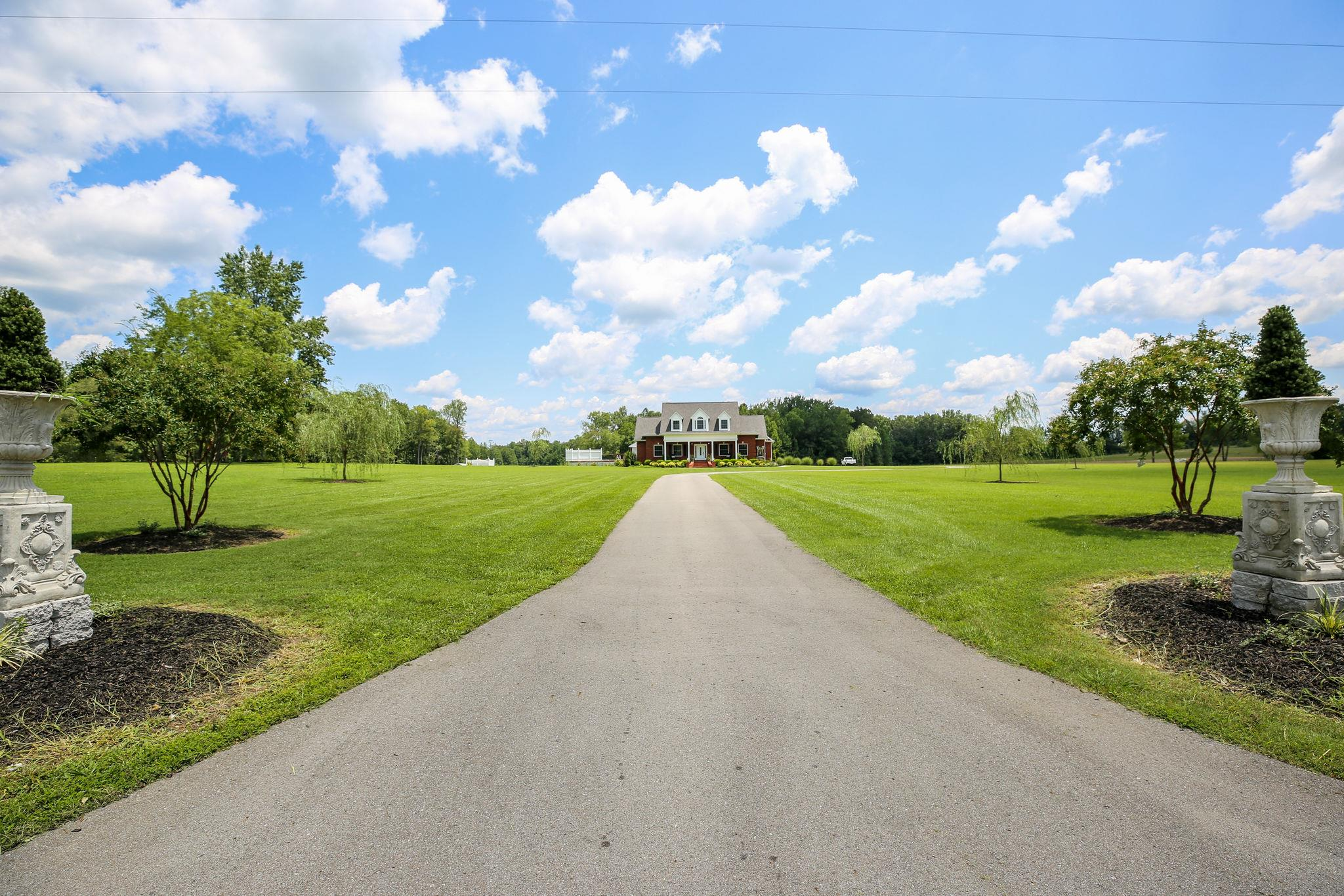 5238 Maple Springs Rd, Manchester, Tennessee