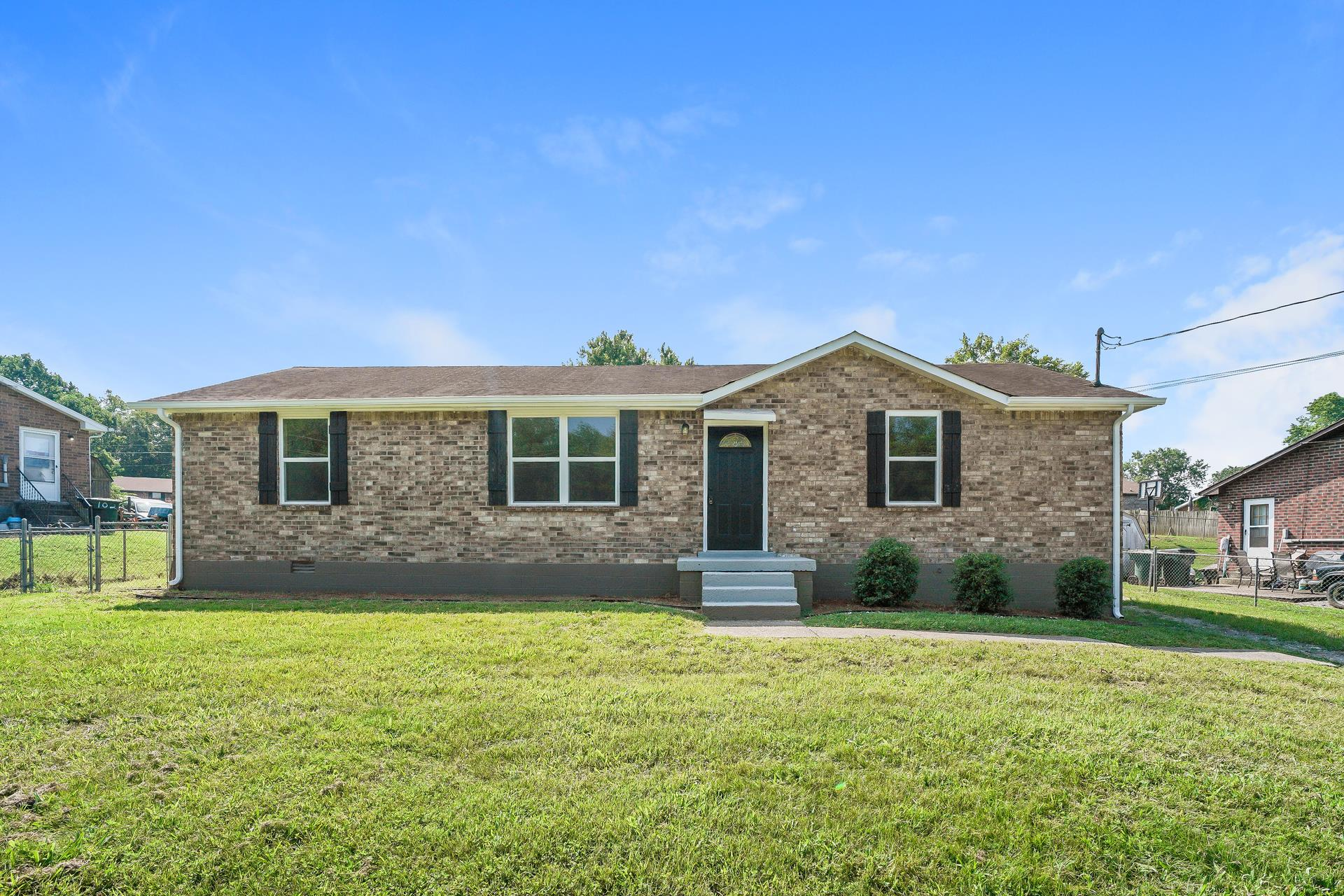 106 Creekside Ct 37066 - One of Gallatin Homes for Sale