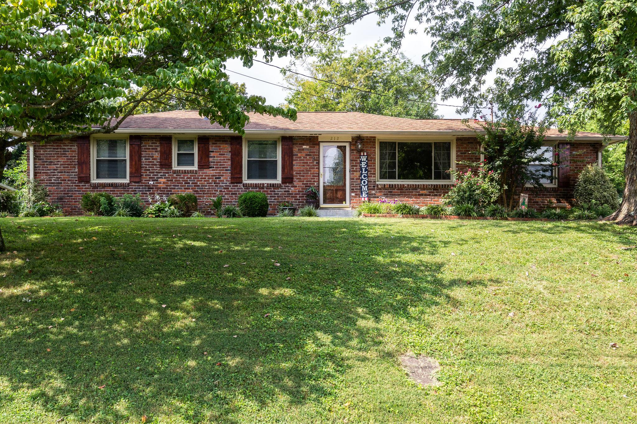 212 Bonnaoaks Dr, Hermitage in Davidson County County, TN 37076 Home for Sale