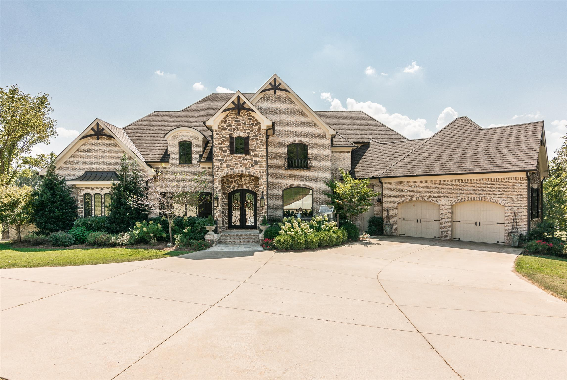 1118 Cages Bend Court, one of homes for sale in Gallatin