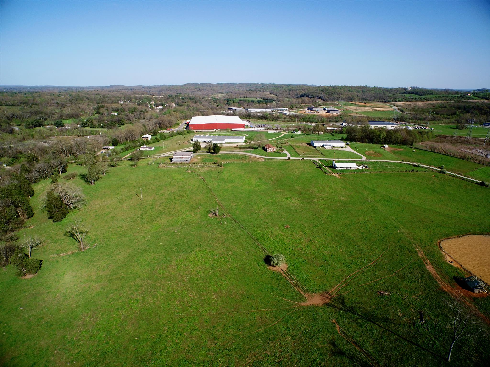 2571 Il West Rd, Columbia, Tennessee