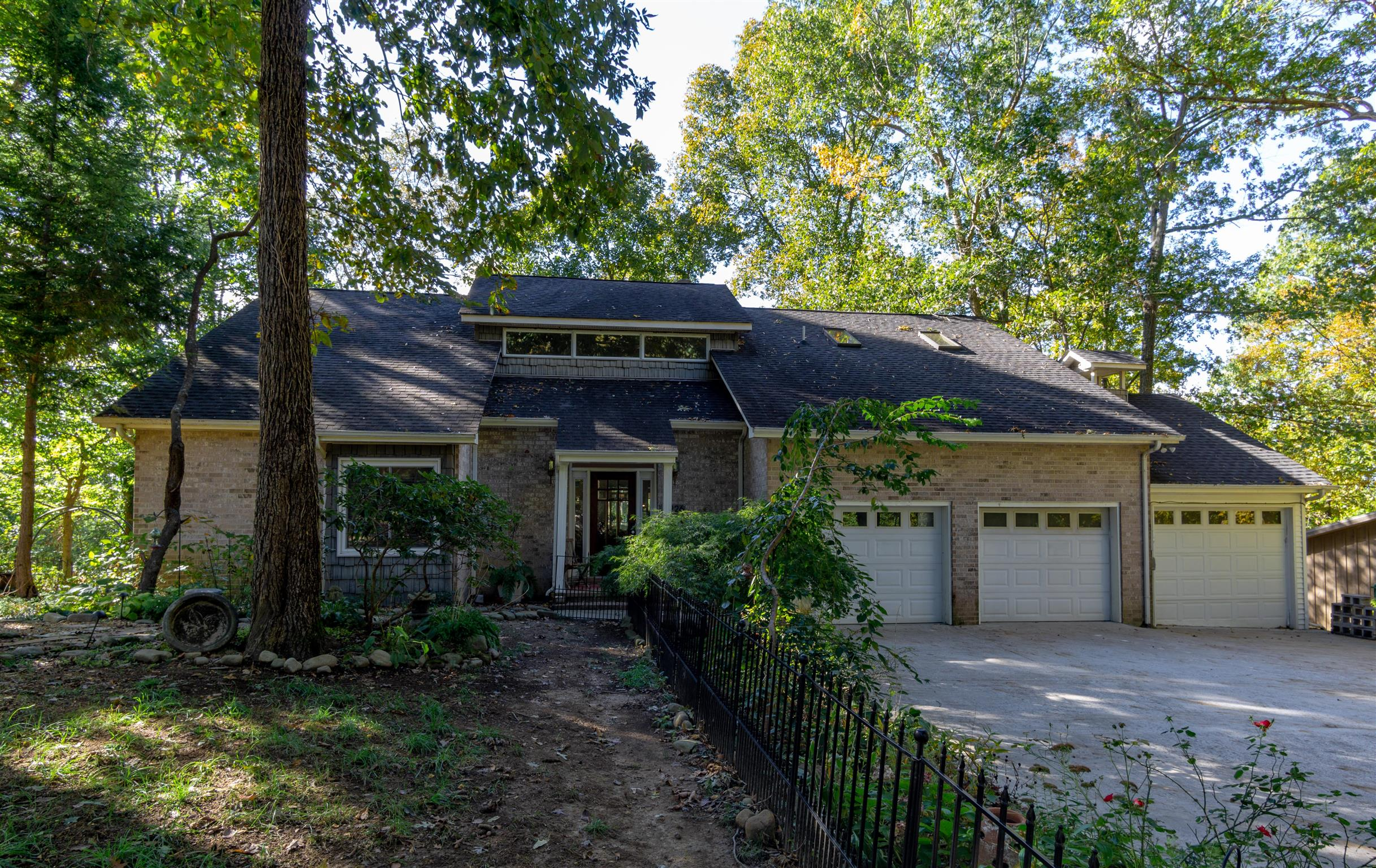 226 Fire Lake Dr, Manchester, Tennessee 4 Bedroom as one of Homes & Land Real Estate