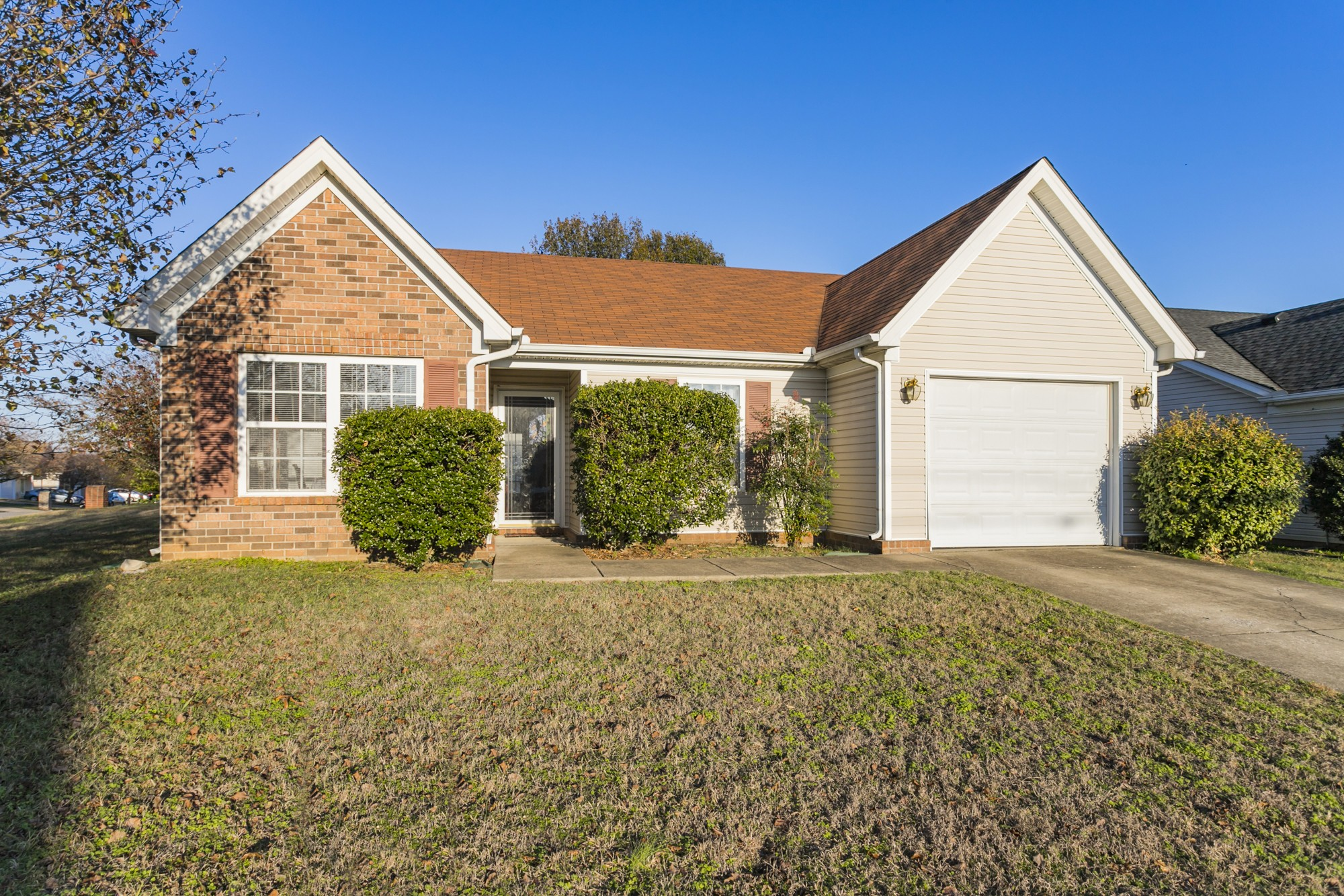 7517 W Winchester Dr, Nashville-Antioch in Davidson County County, TN 37013 Home for Sale