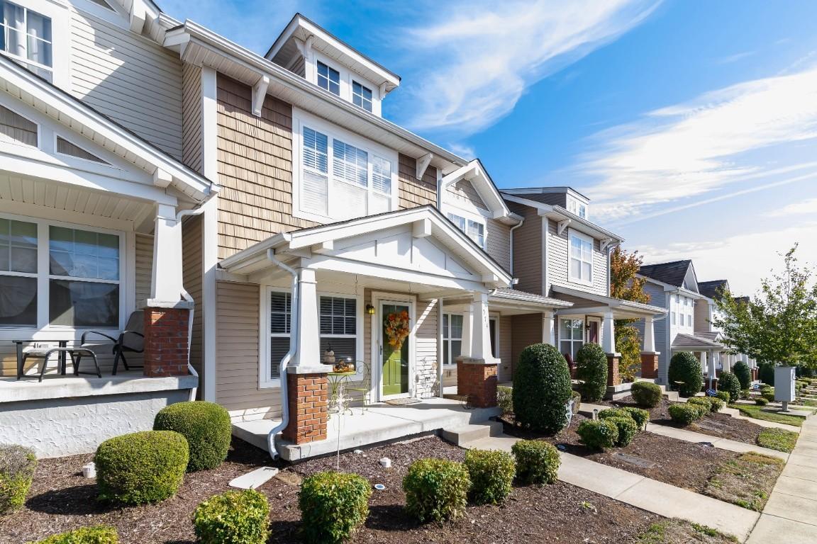 574 Bradburn Village Cir, Nashville-Antioch in Davidson County County, TN 37013 Home for Sale