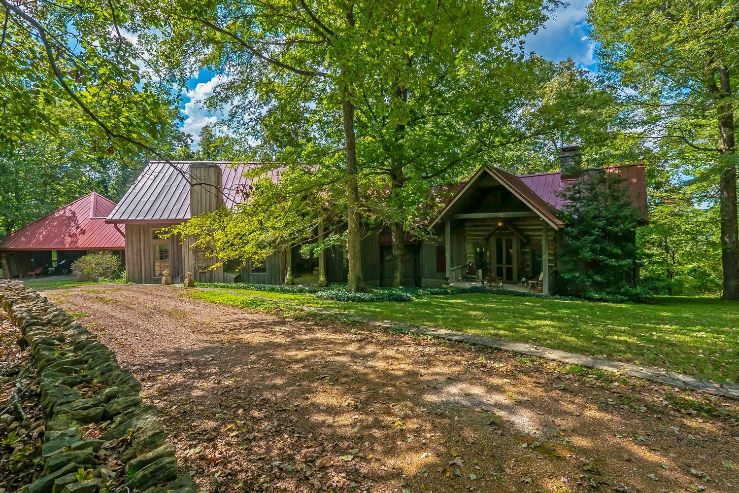 6624 Leipers Creek Rd, Columbia, Tennessee 2 Bedroom as one of Homes & Land Real Estate