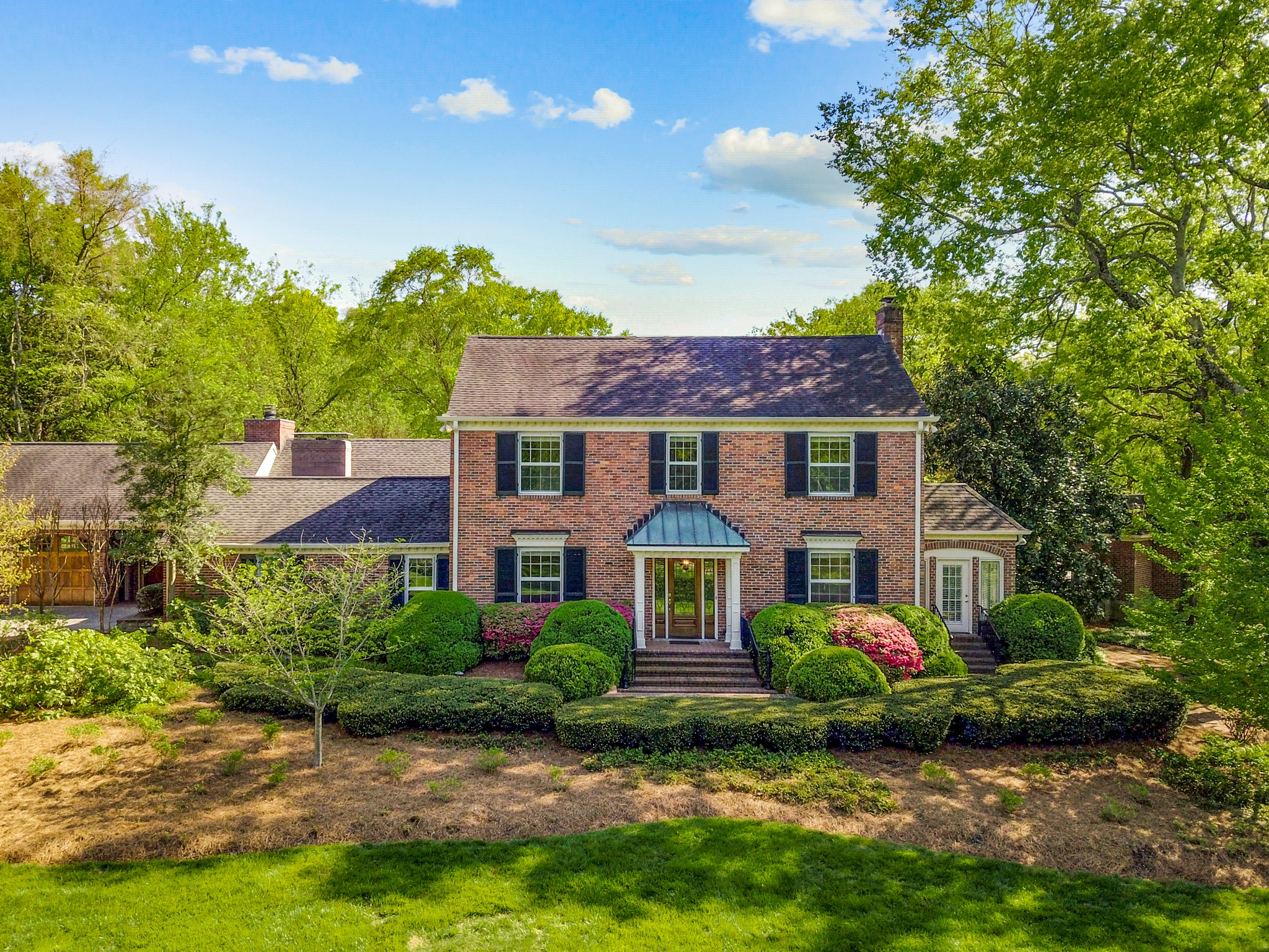 1159 Gateway Ln, one of homes for sale in Nashville-Southeast