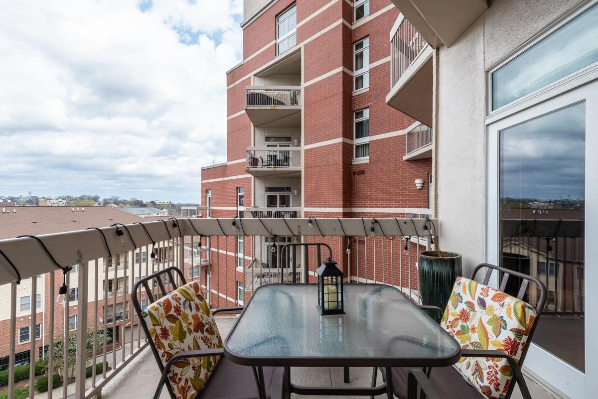 110 31St Ave N Apt 608, Nashville - Midtown in Davidson County, TN County, TN 37203 Home for Sale