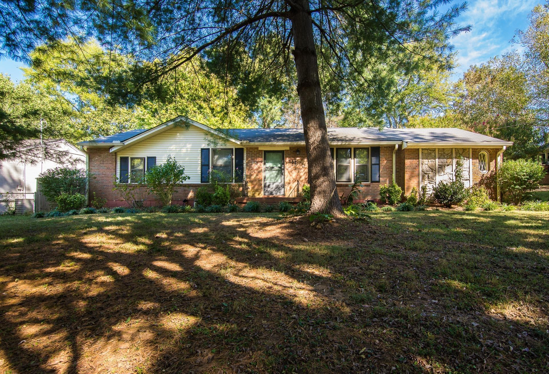 302 Lynn Dr, Crieve Hill, Tennessee 3 Bedroom as one of Homes & Land Real Estate