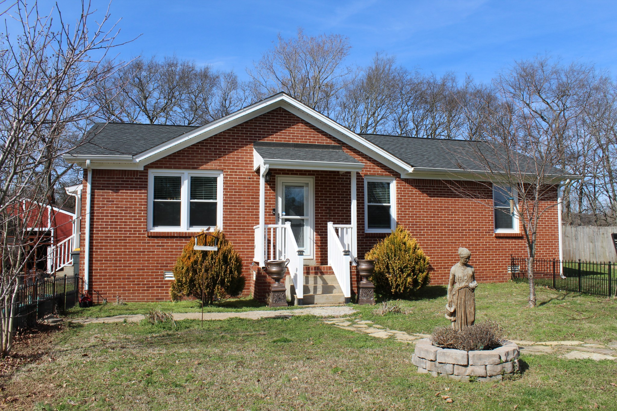 806 Belle Dr, Spring Hill in Maury County, TN County, TN 37174 Home for Sale