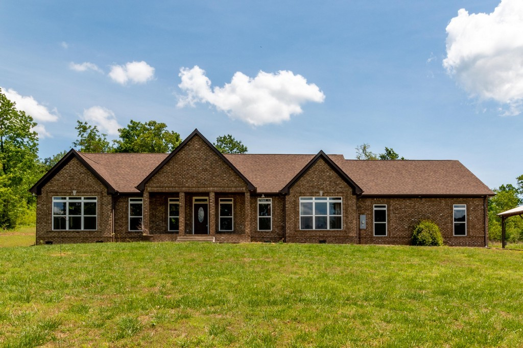 1362 Cliff Amos Rd, Spring Hill in Maury County, TN County, TN 37174 Home for Sale