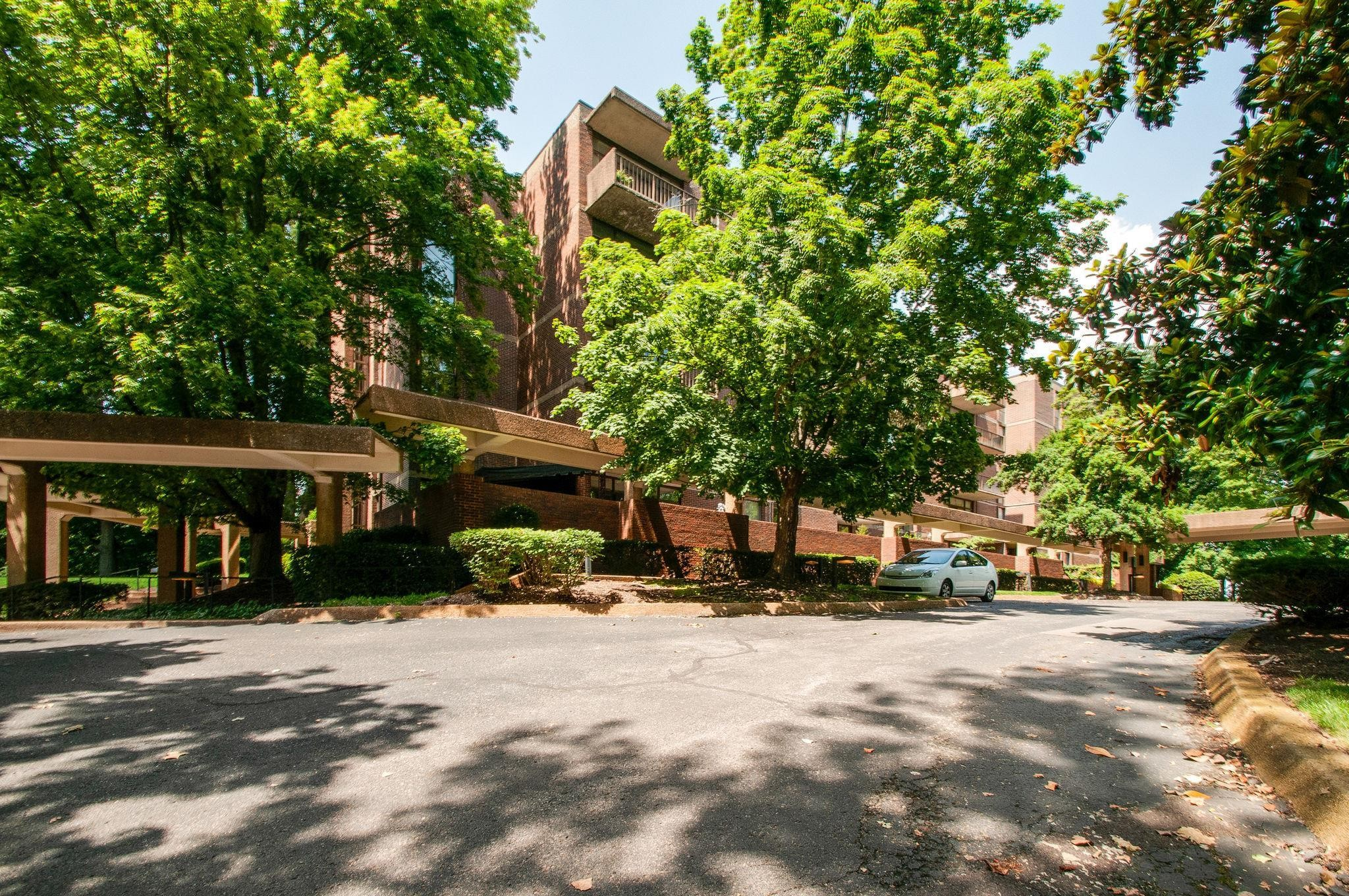 123 Harpeth Trace Summit, one of homes for sale in Bellevue