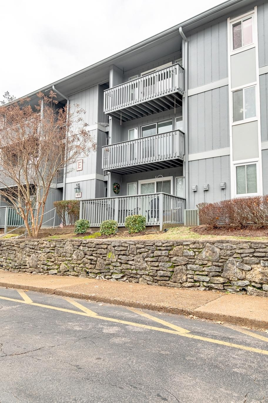 21 Vaughns Gap Rd Apt 71, Belle Meade, Tennessee
