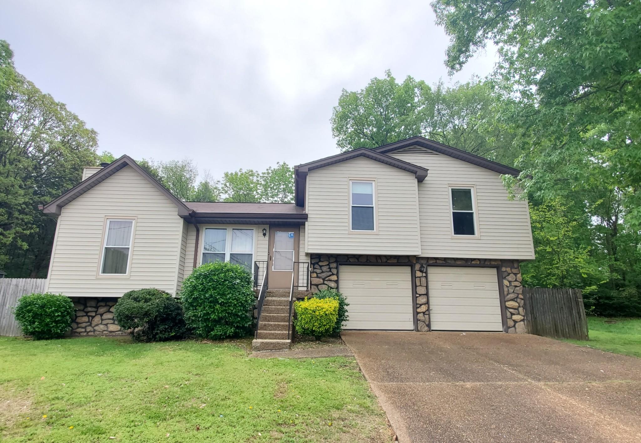 213 Fieldstone Ct, Nashville-Antioch in Davidson County, TN County, TN 37013 Home for Sale