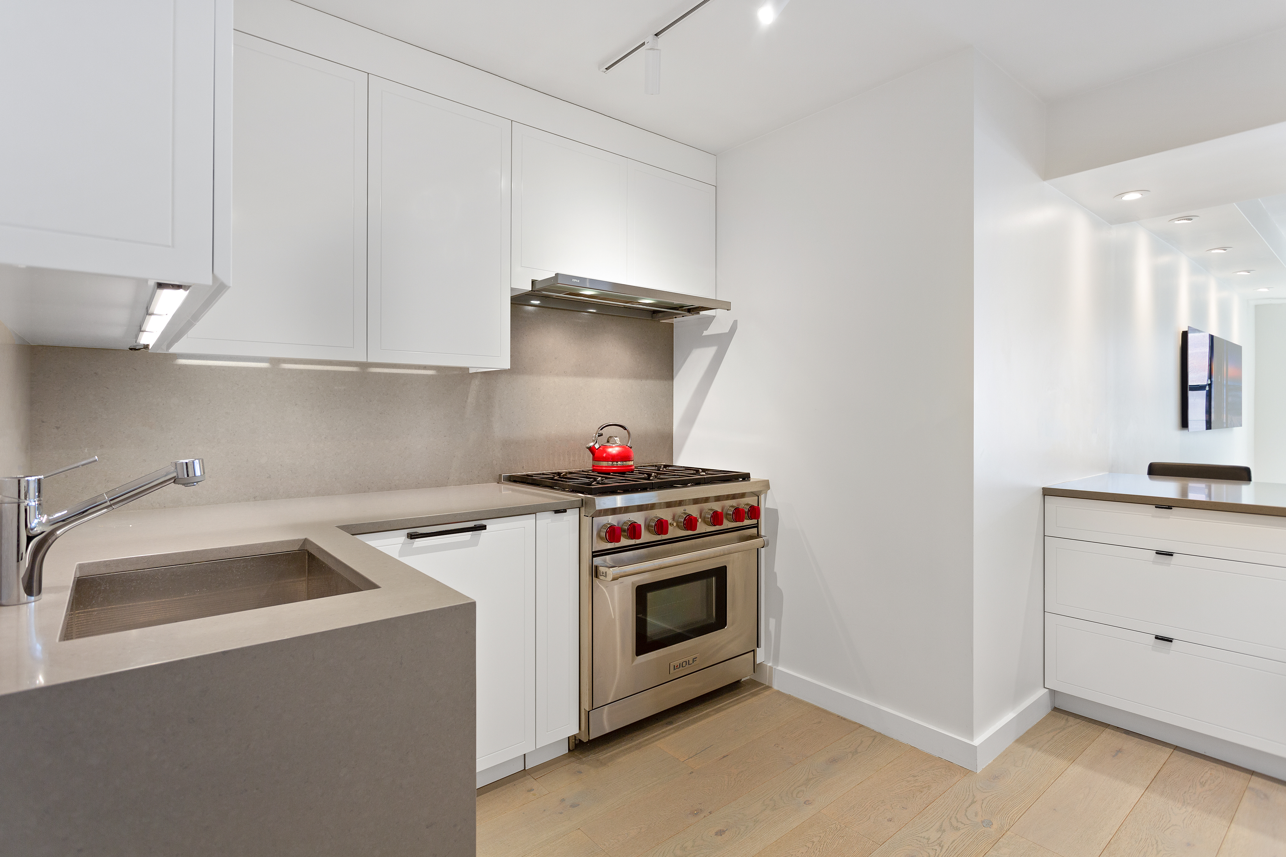 primary photo for 200 East 27th Street 8-BC, New York, NY 10016, US