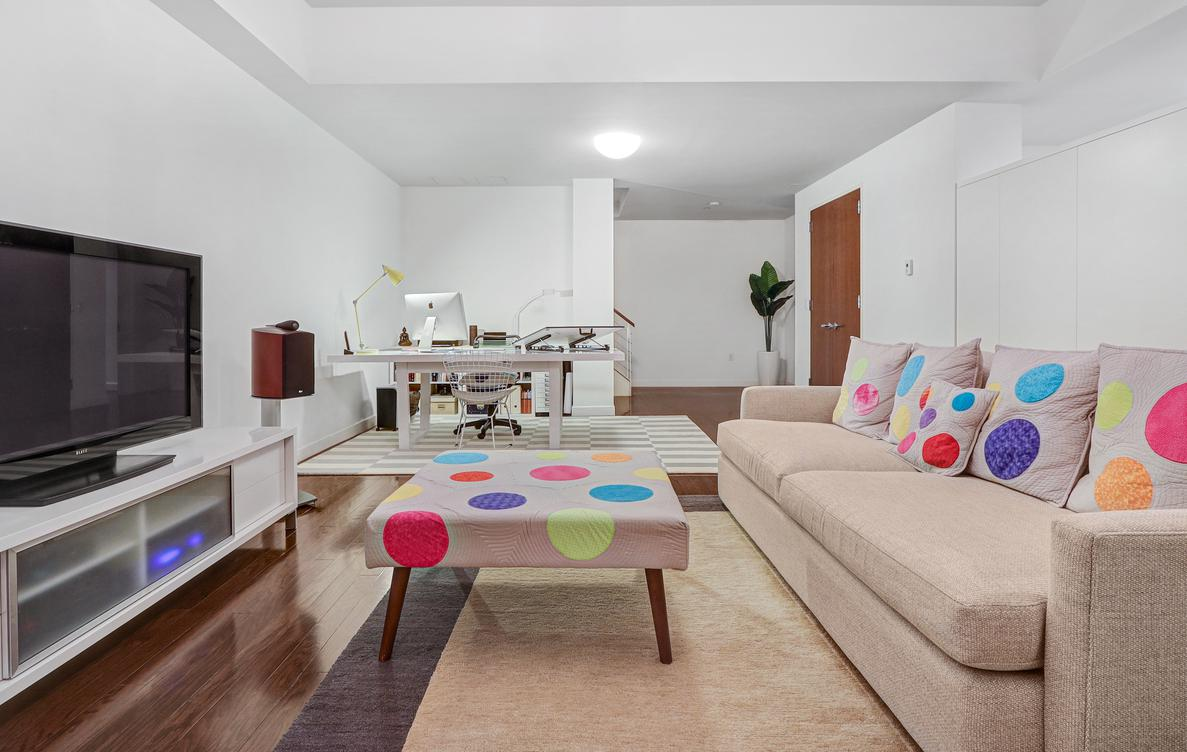 primary photo for 462 West 58th Street MAISONETTE, NEW YORK, NY 10019, US