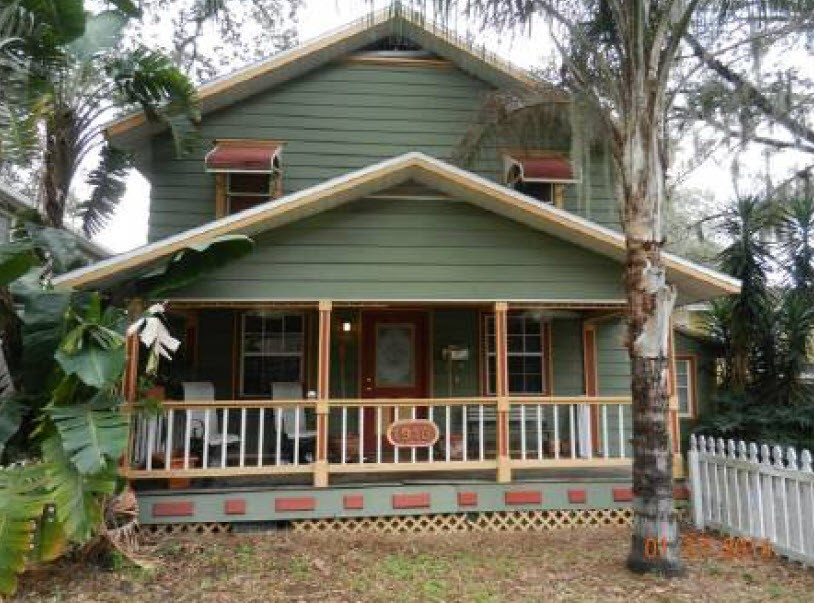 1918 S FERNCREEK AVE, one of homes for sale in Orlando-Delaney Park