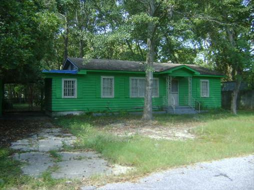 2552 COURTNEY STREET SOUTH, Mobile in  County, AL 36606 Home for Sale