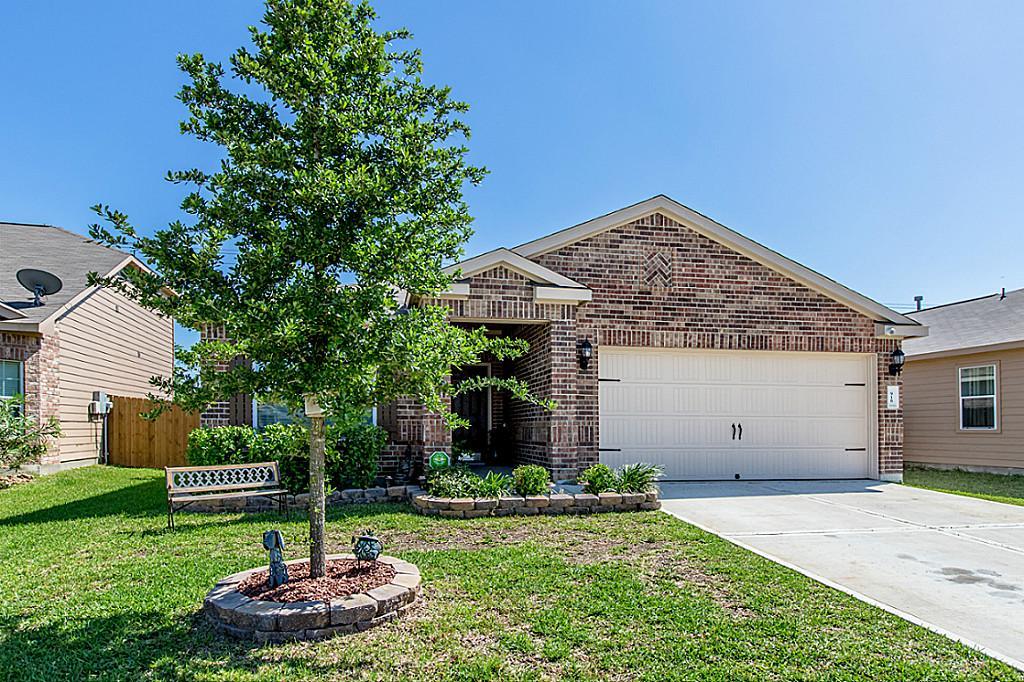 918 Rose Meadow Blvd, Baytown, TX 77521