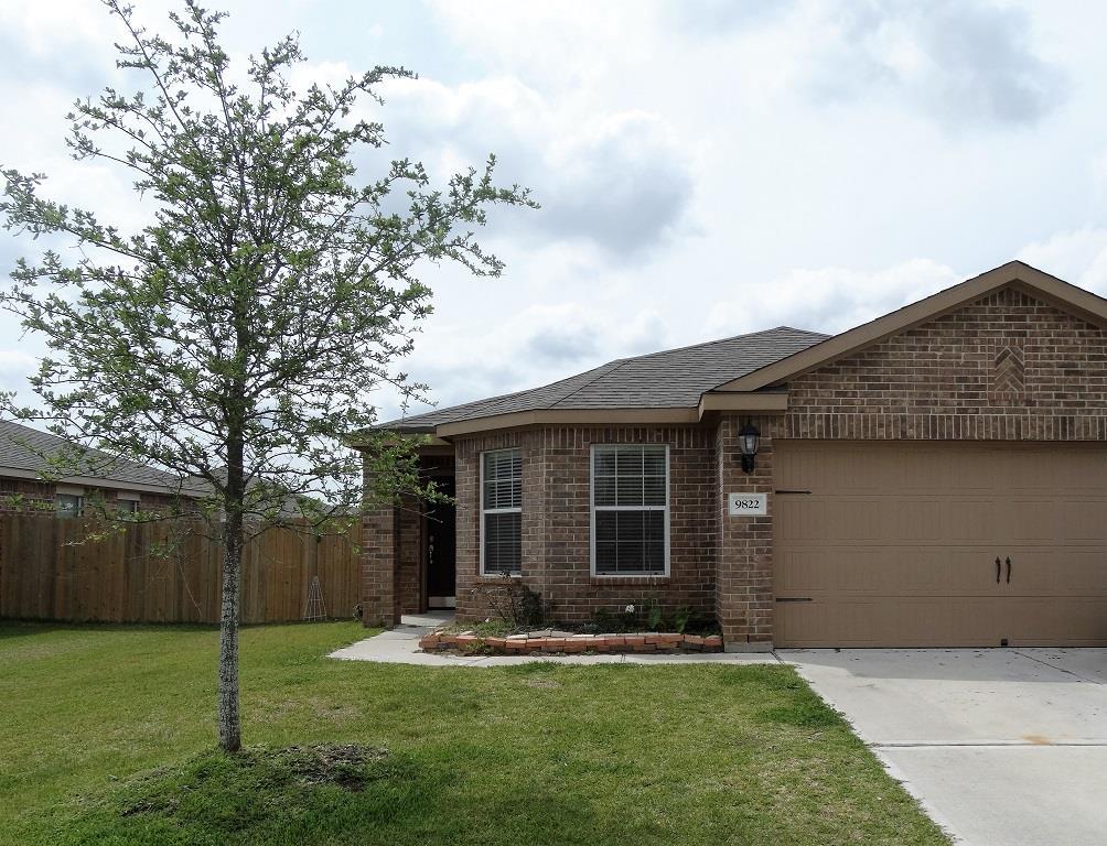 9822 Garnet Springs Dr, Rosharon, TX 77583